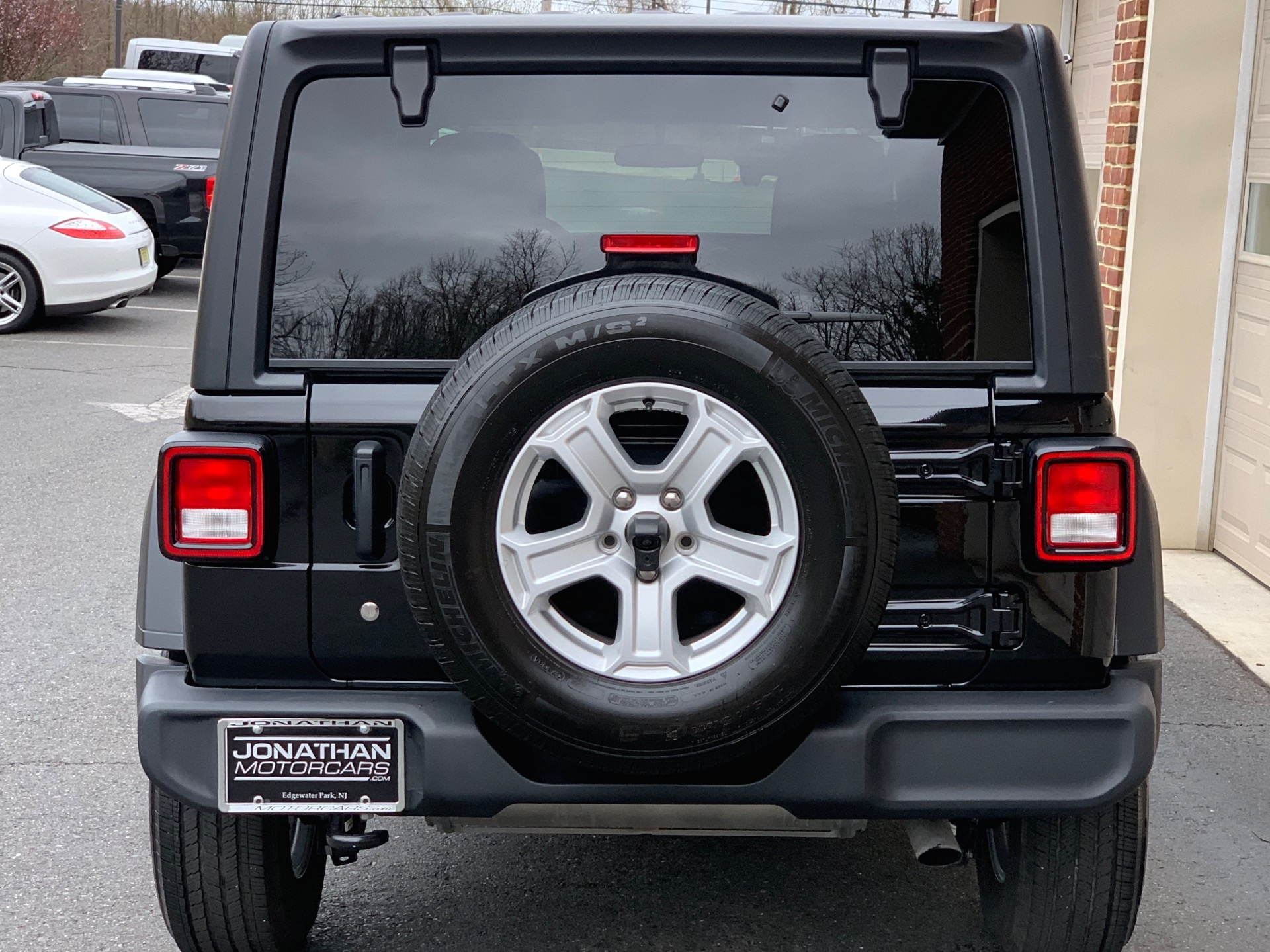 Used-2019-Jeep-Wrangler-Unlimited-Sport-S