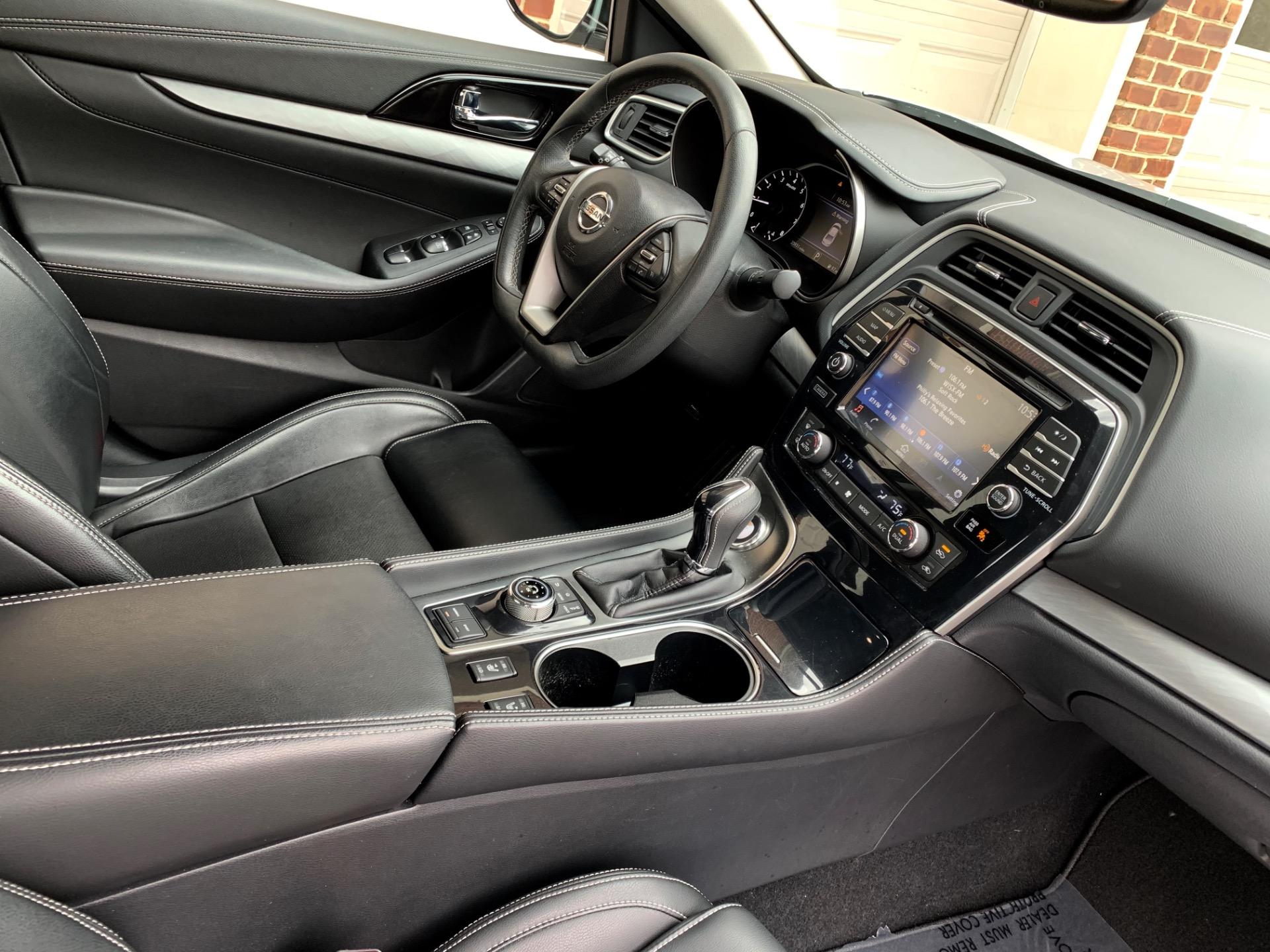 Used-2017-Nissan-Maxima-35-SV