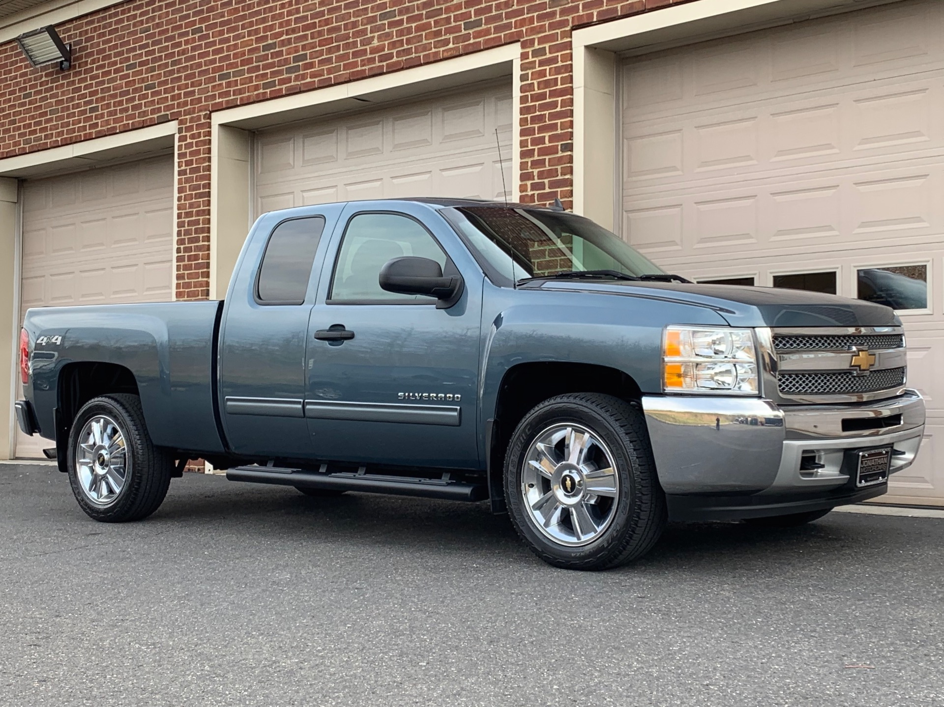 Used-2012-Chevrolet-Silverado-1500-LT