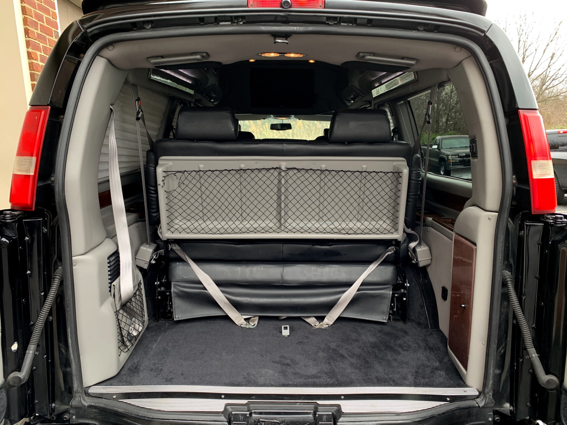 Used-2011-Chevrolet-Express-1500-High-Top-Conversion