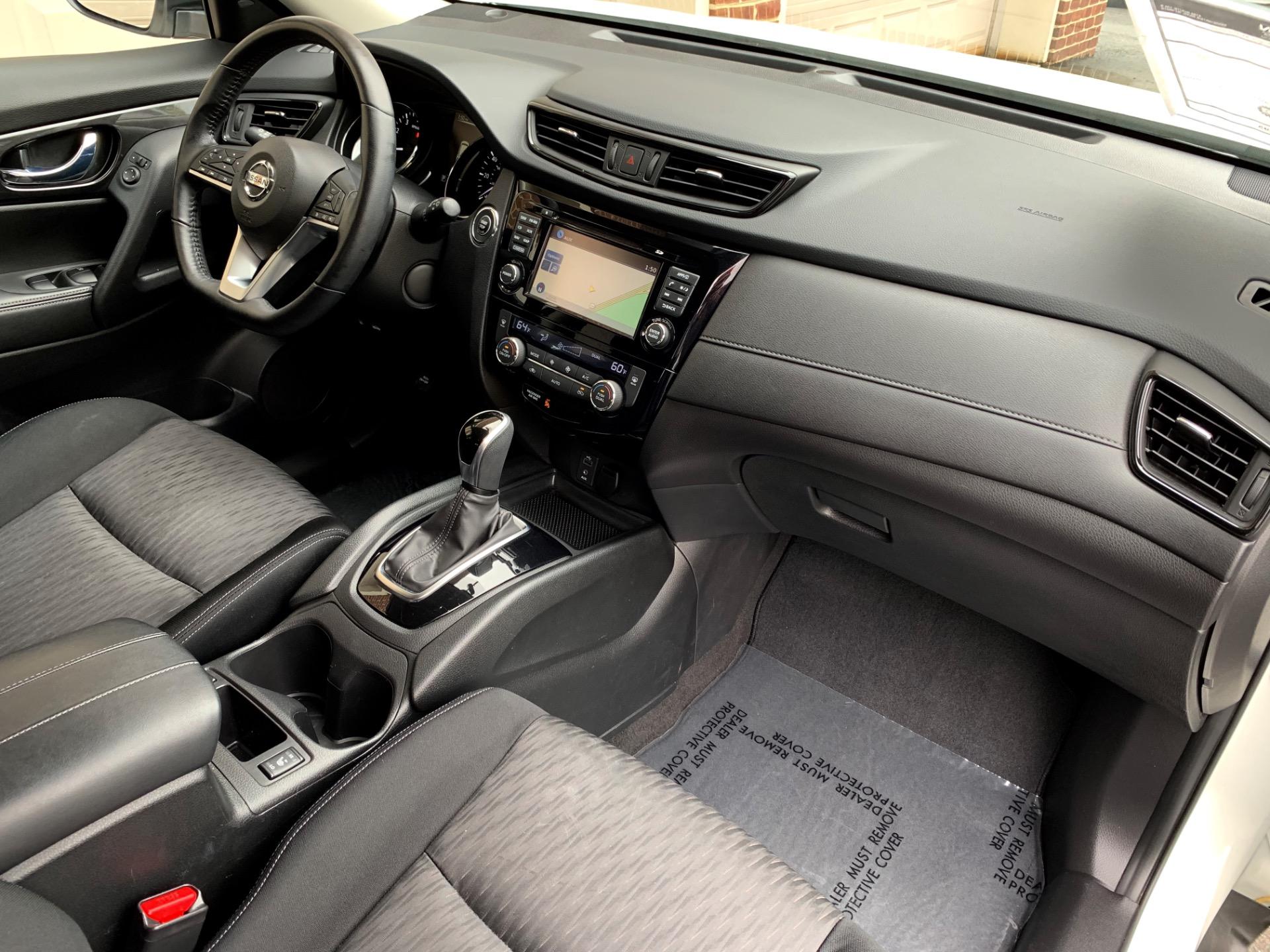 Used-2017-Nissan-Rogue-SV-Premium