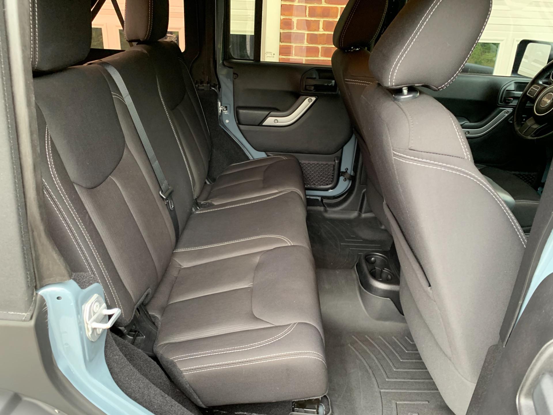 Used-2015-Jeep-Wrangler-Unlimited-Rubicon-JMC-Custom