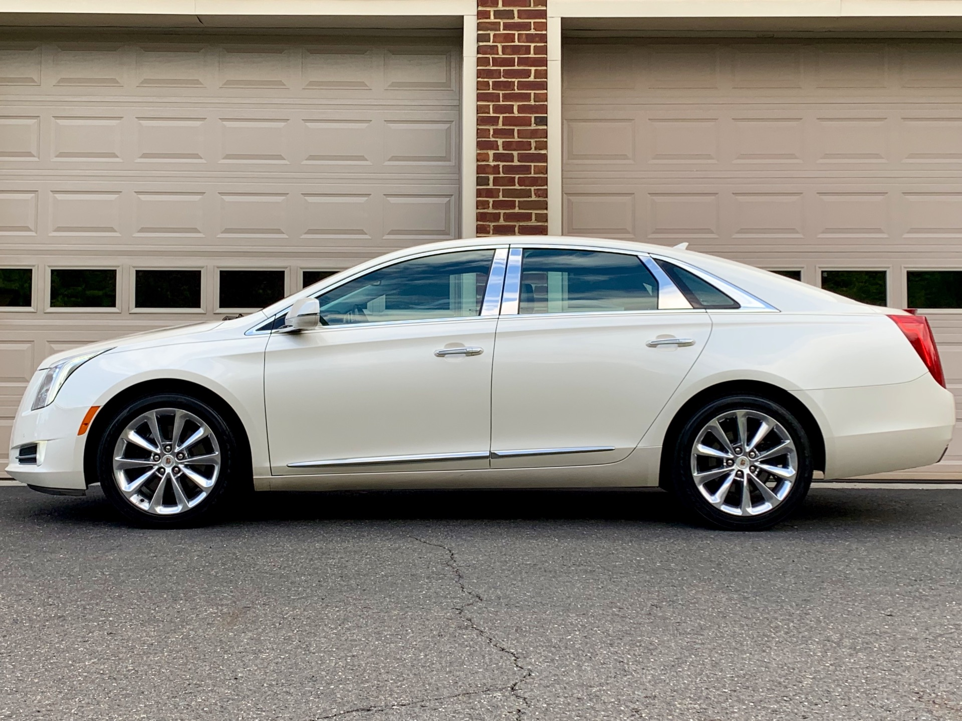Used-2013-Cadillac-XTS-Premium-Collection