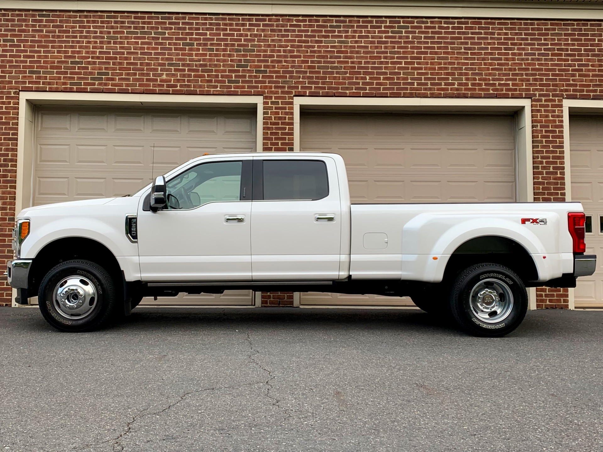Used-2019-Ford-F-350-Super-Duty-King-Ranch-DRW