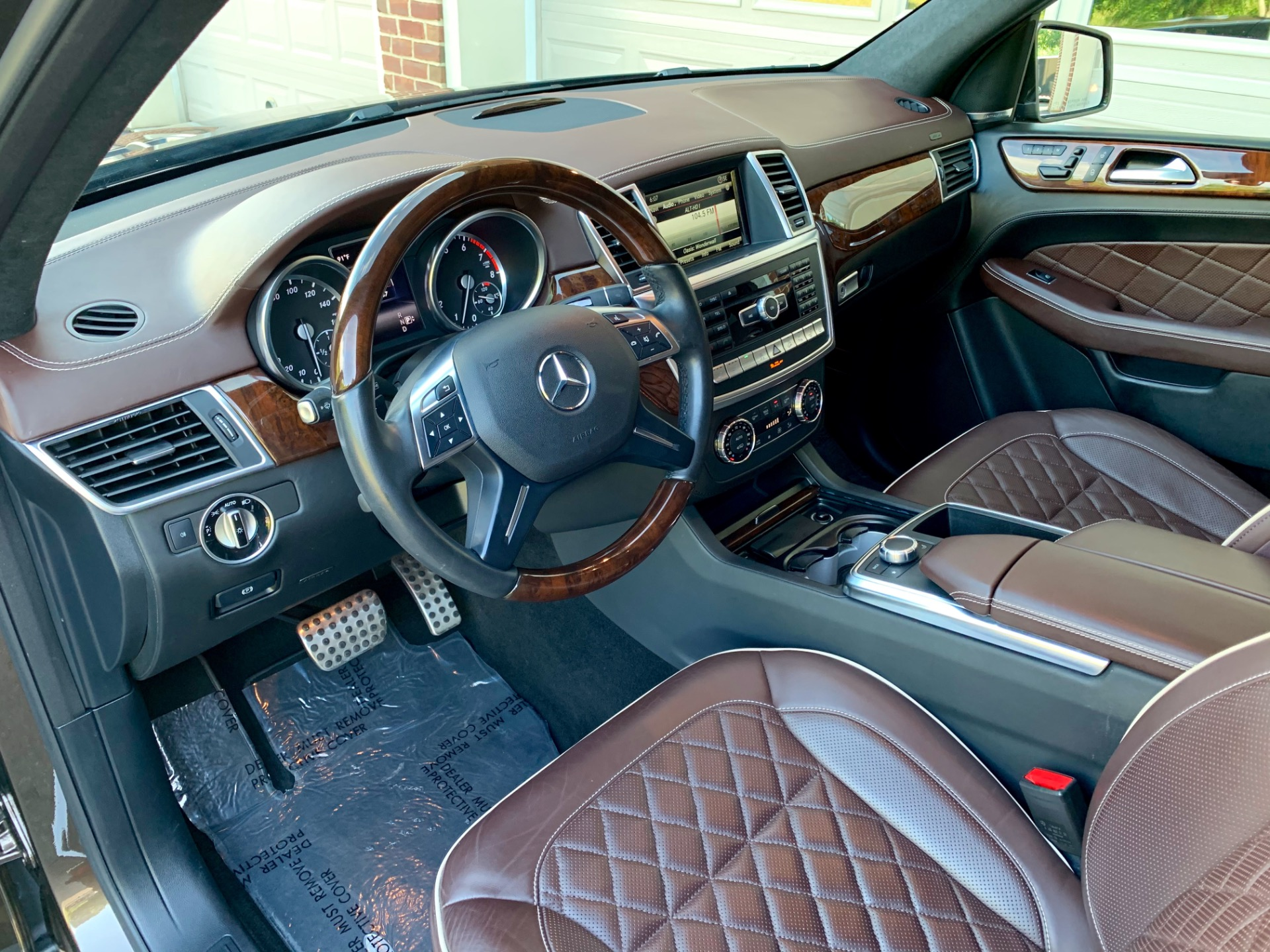 Used-2015-Mercedes-Benz-M-Class-ML-400