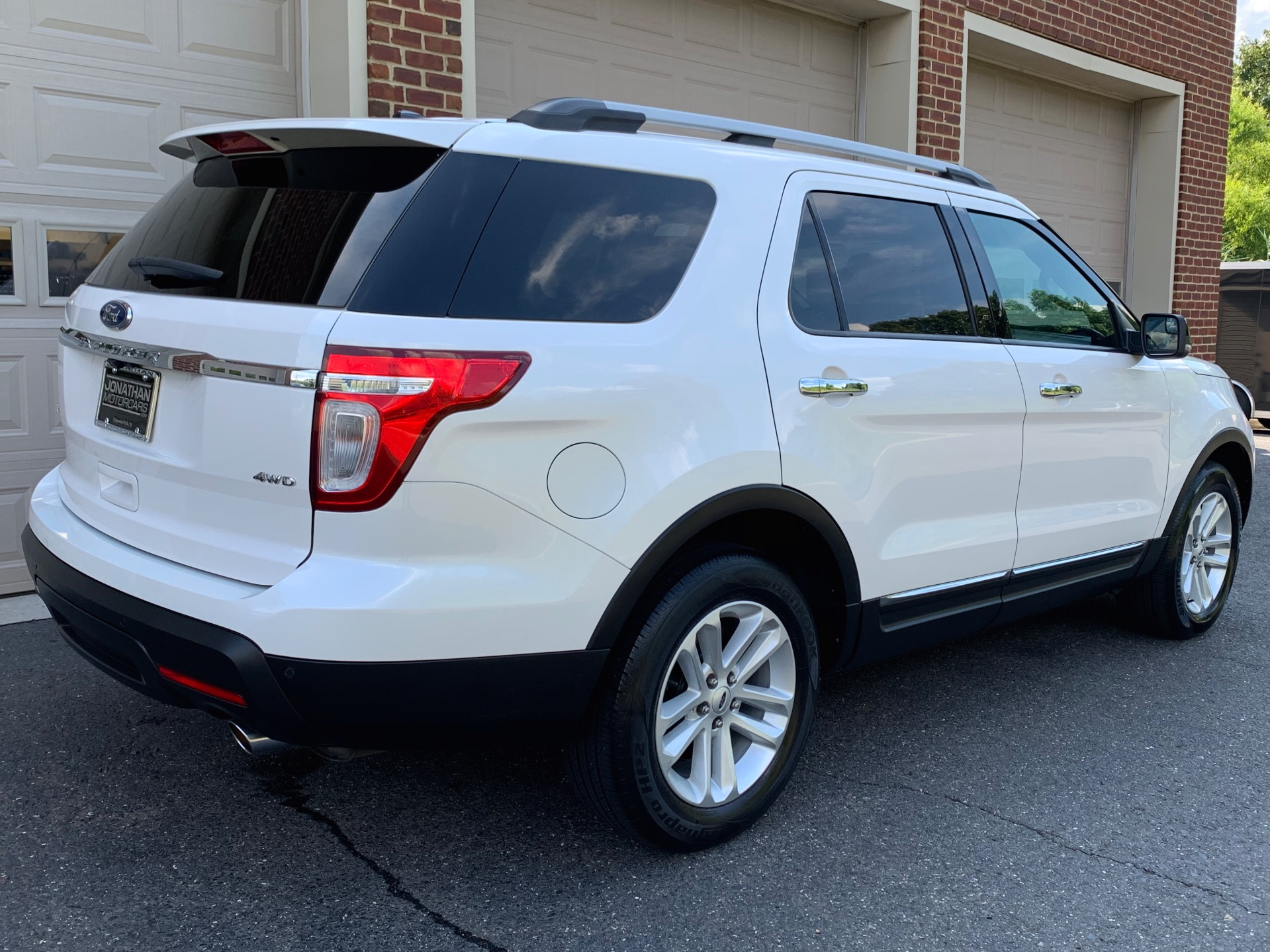 Used-2012-Ford-Explorer-XLT