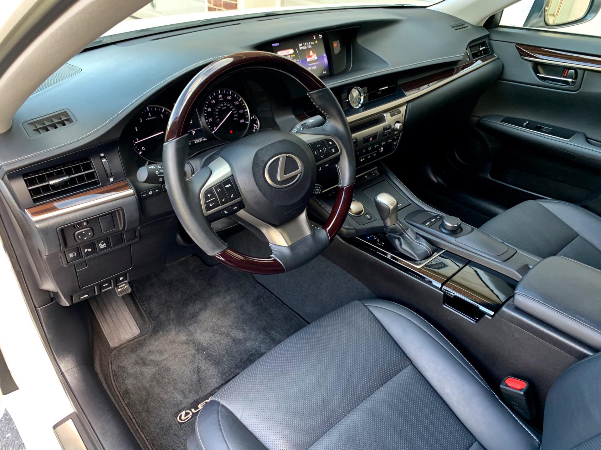 Used-2017-Lexus-ES-350-Premium
