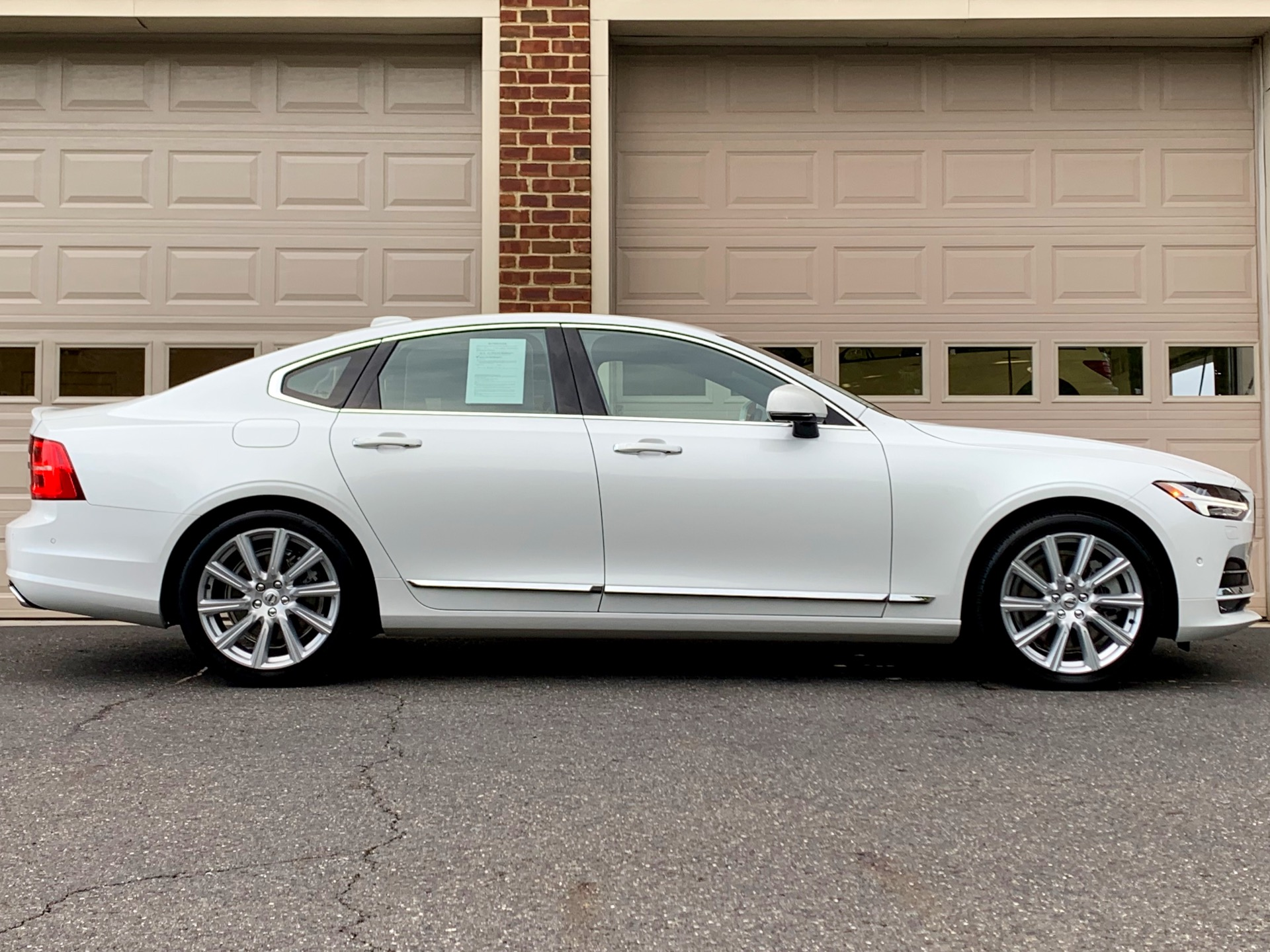 Used-2017-Volvo-S90-T6-Inscription