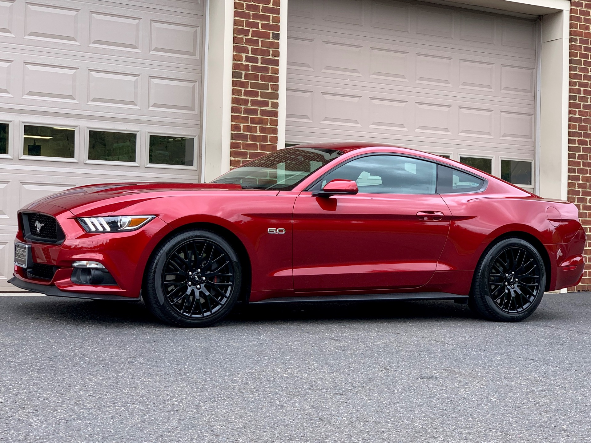 Used-2015-Ford-Mustang-GT