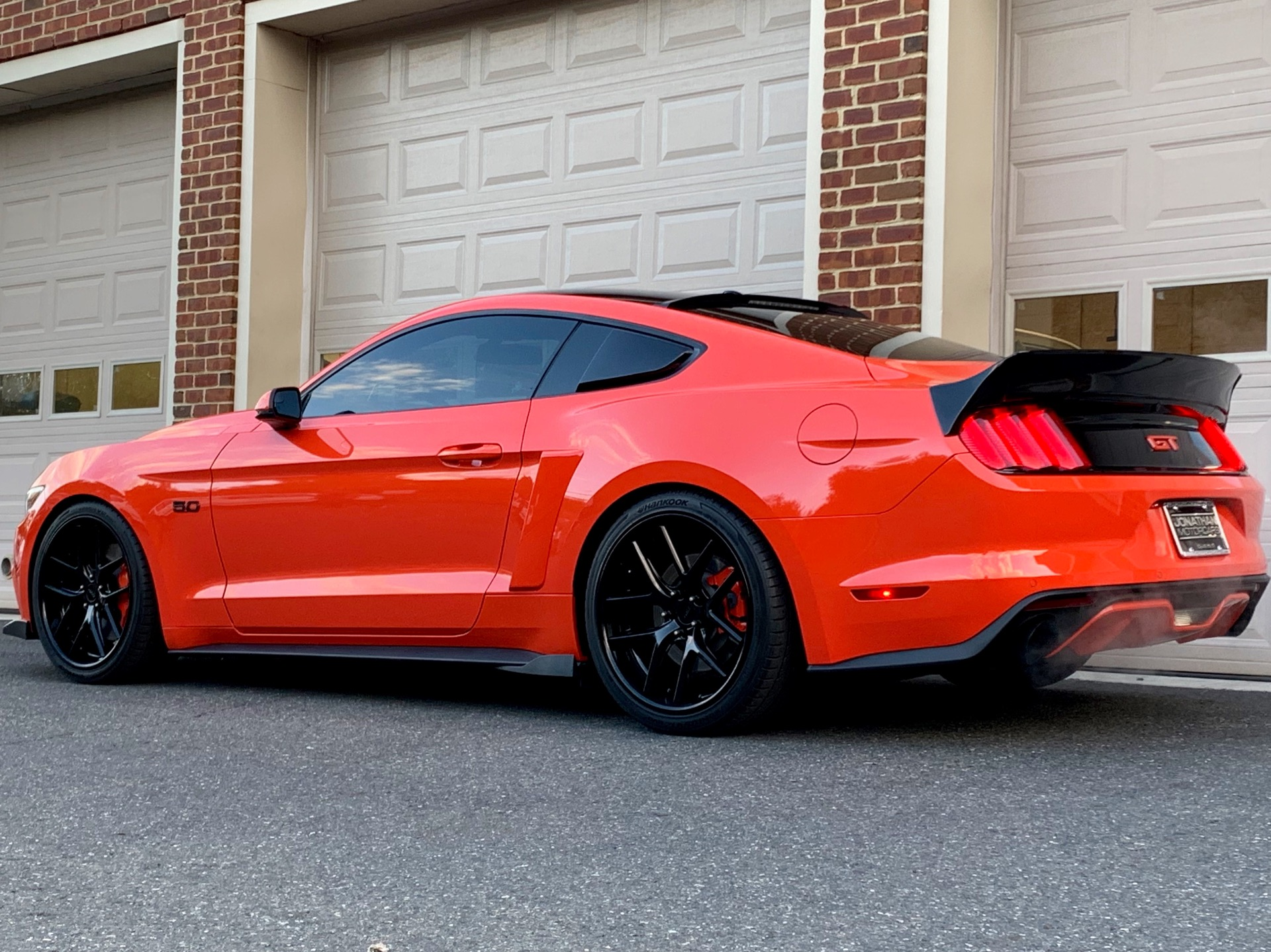 Used-2015-Ford-Mustang-GT-Premium