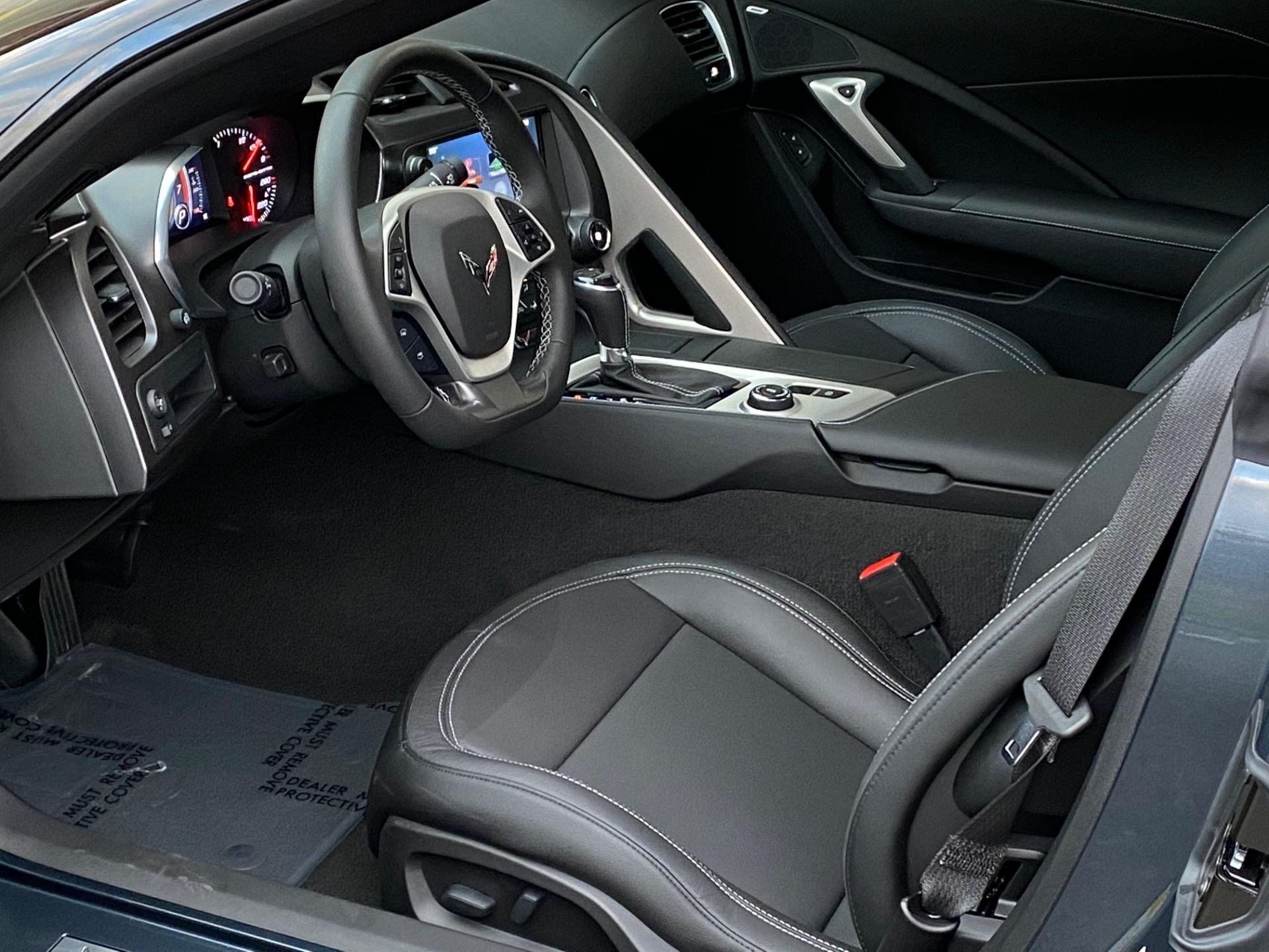 Used-2019-Chevrolet-Corvette-Stingray