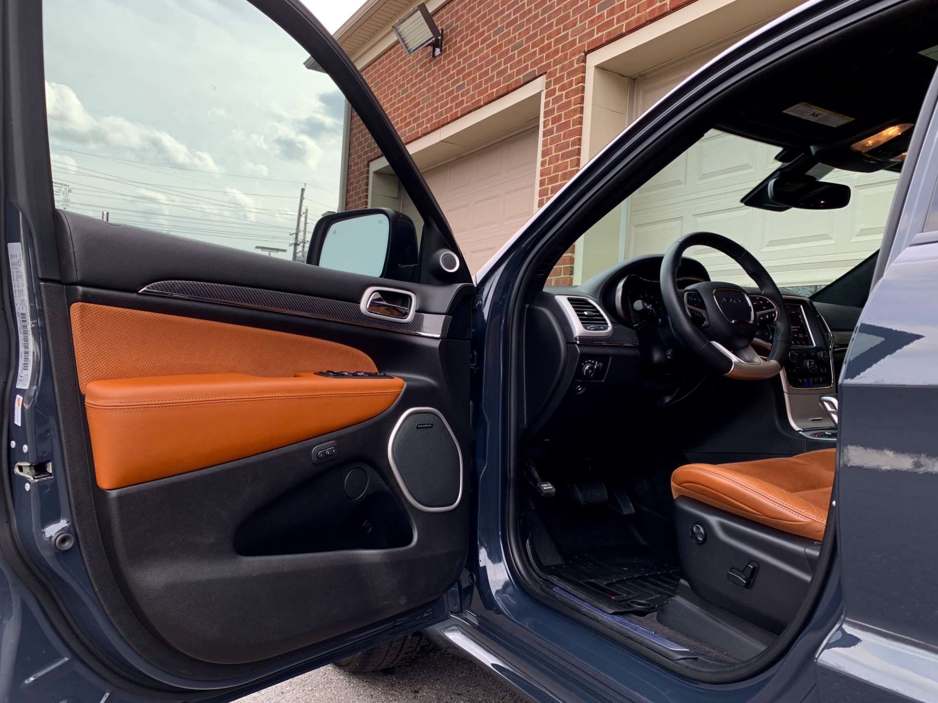 Used-2018-Jeep-Grand-Cherokee-SRT