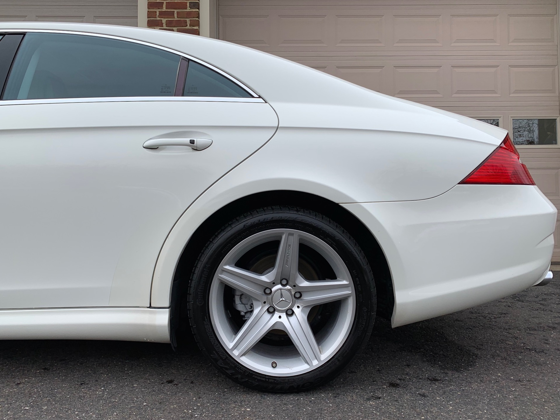 Used-2008-Mercedes-Benz-CLS-CLS-550