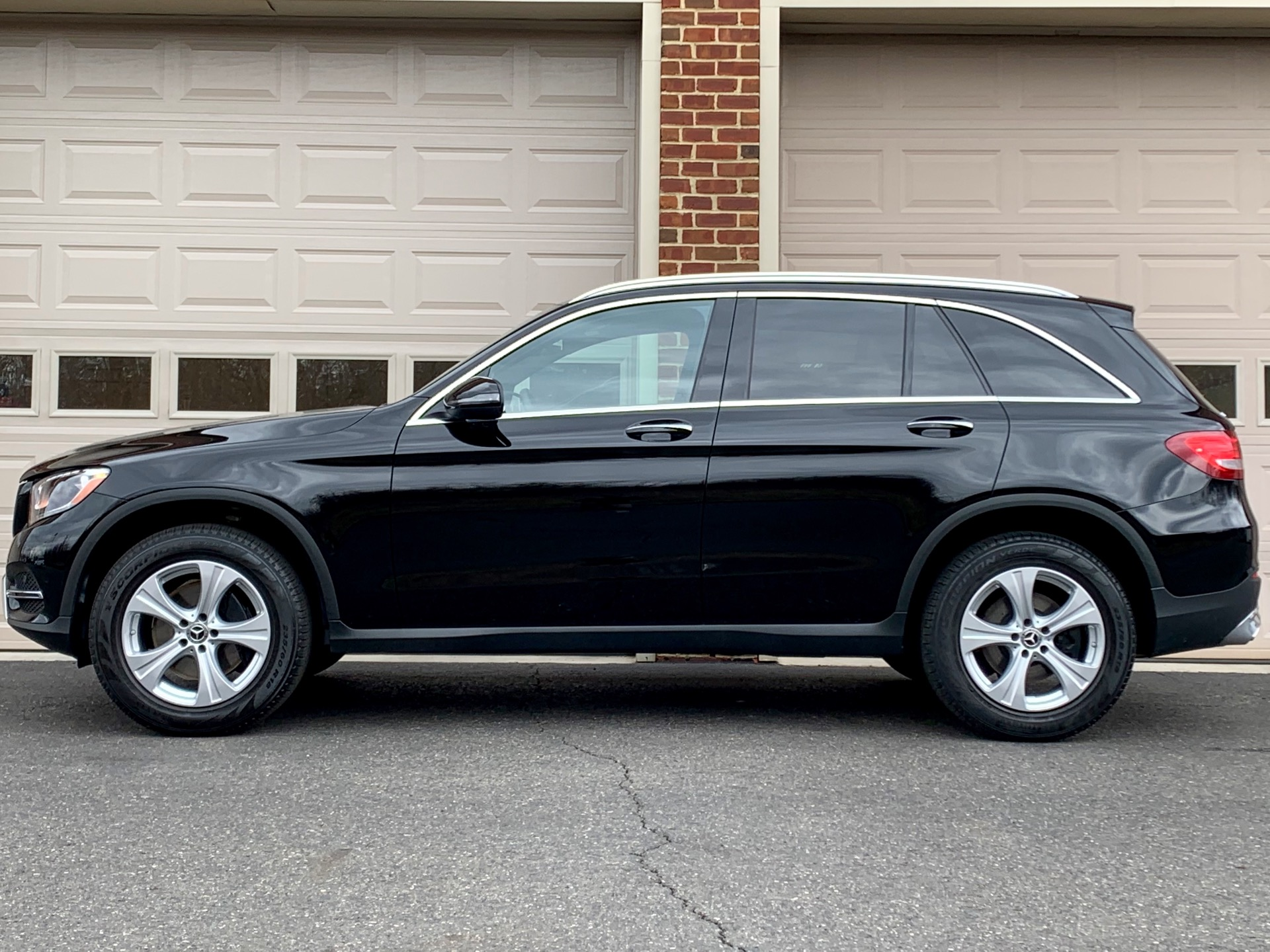 Used-2018-Mercedes-Benz-GLC-GLC-300-4MATIC