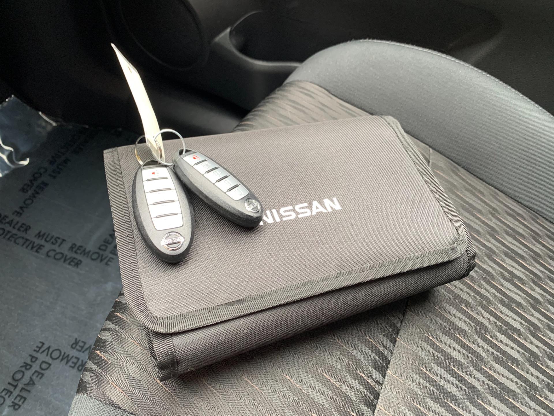 Used-2018-Nissan-Rogue-SV-Midnight