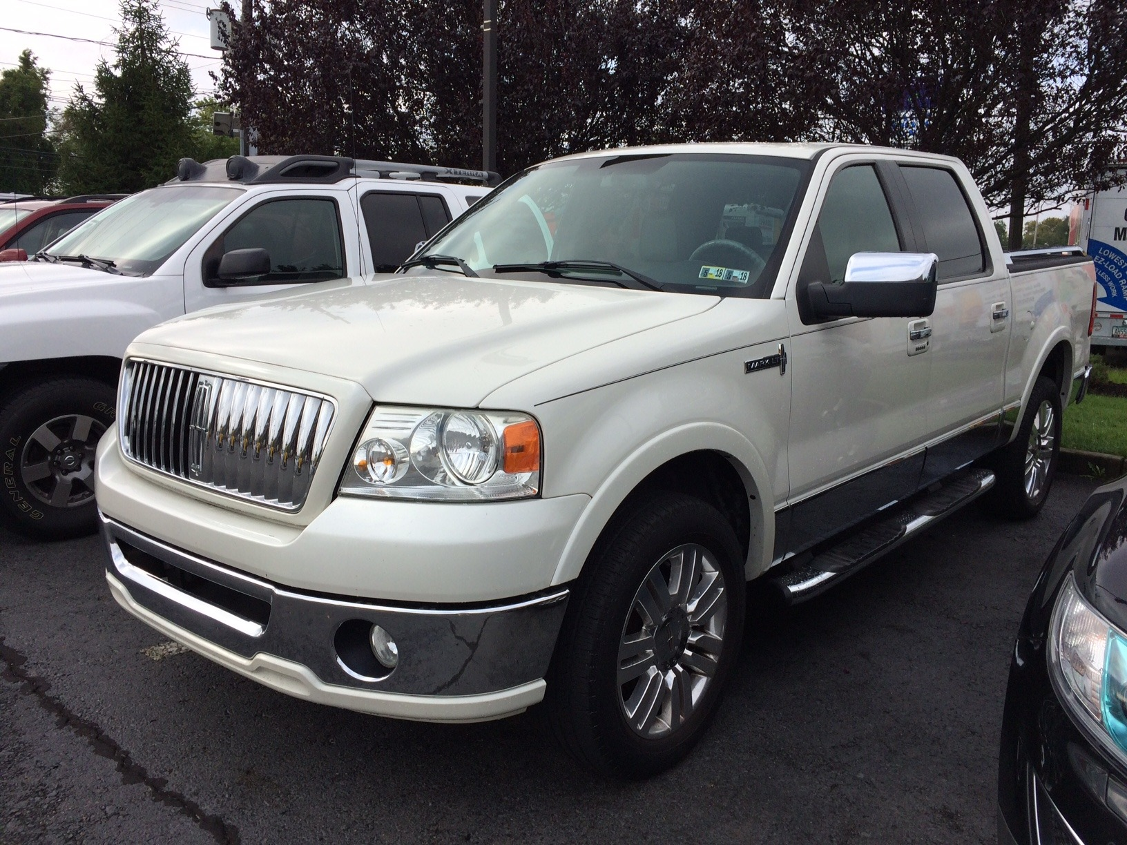 https://www.jonathanmotorcars.com/imagetag/128/2/l/Used-2006-Lincoln-Mark-LT.jpg