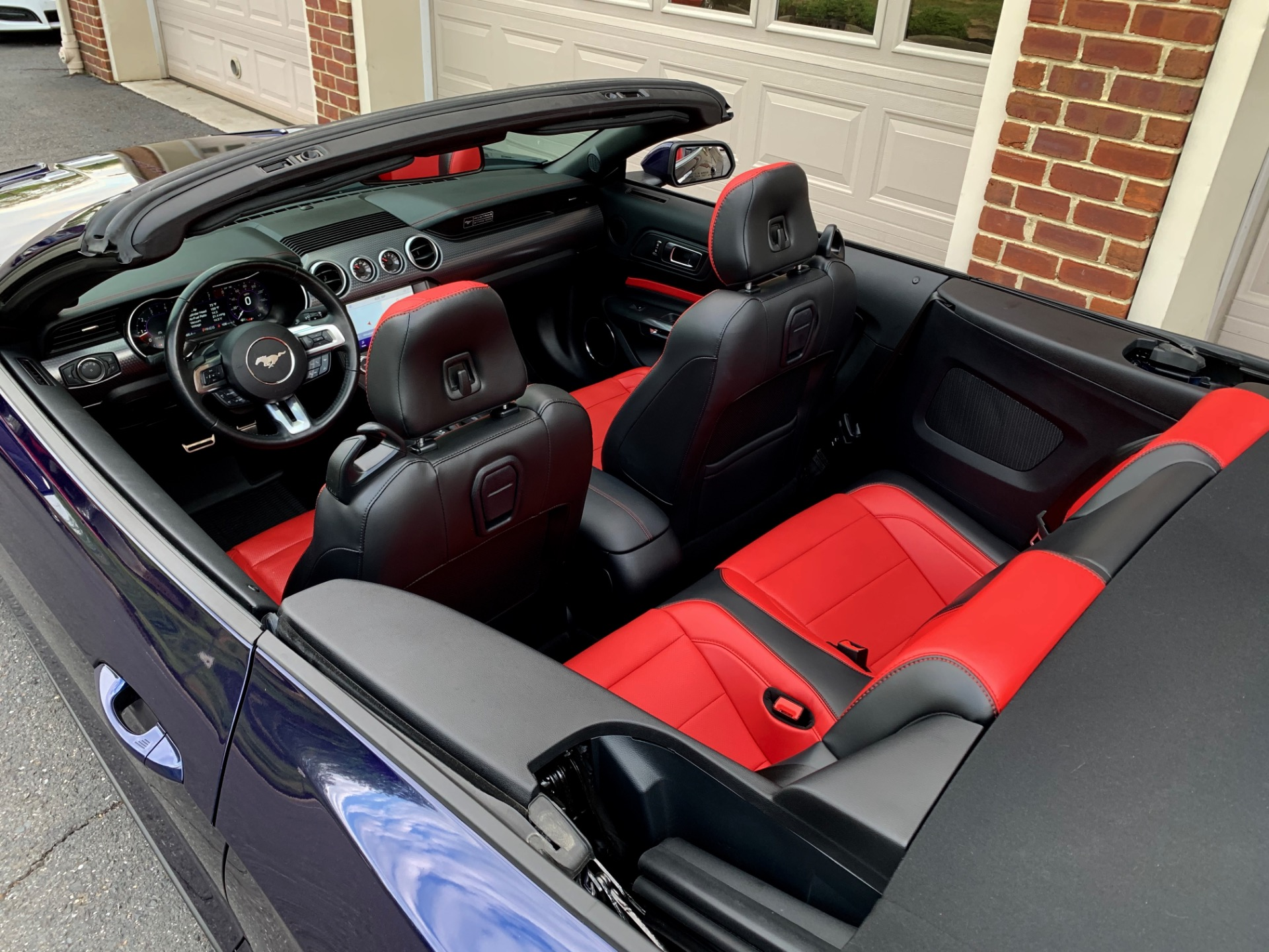 Used-2020-Ford-Mustang-GT-Premium-Convertible