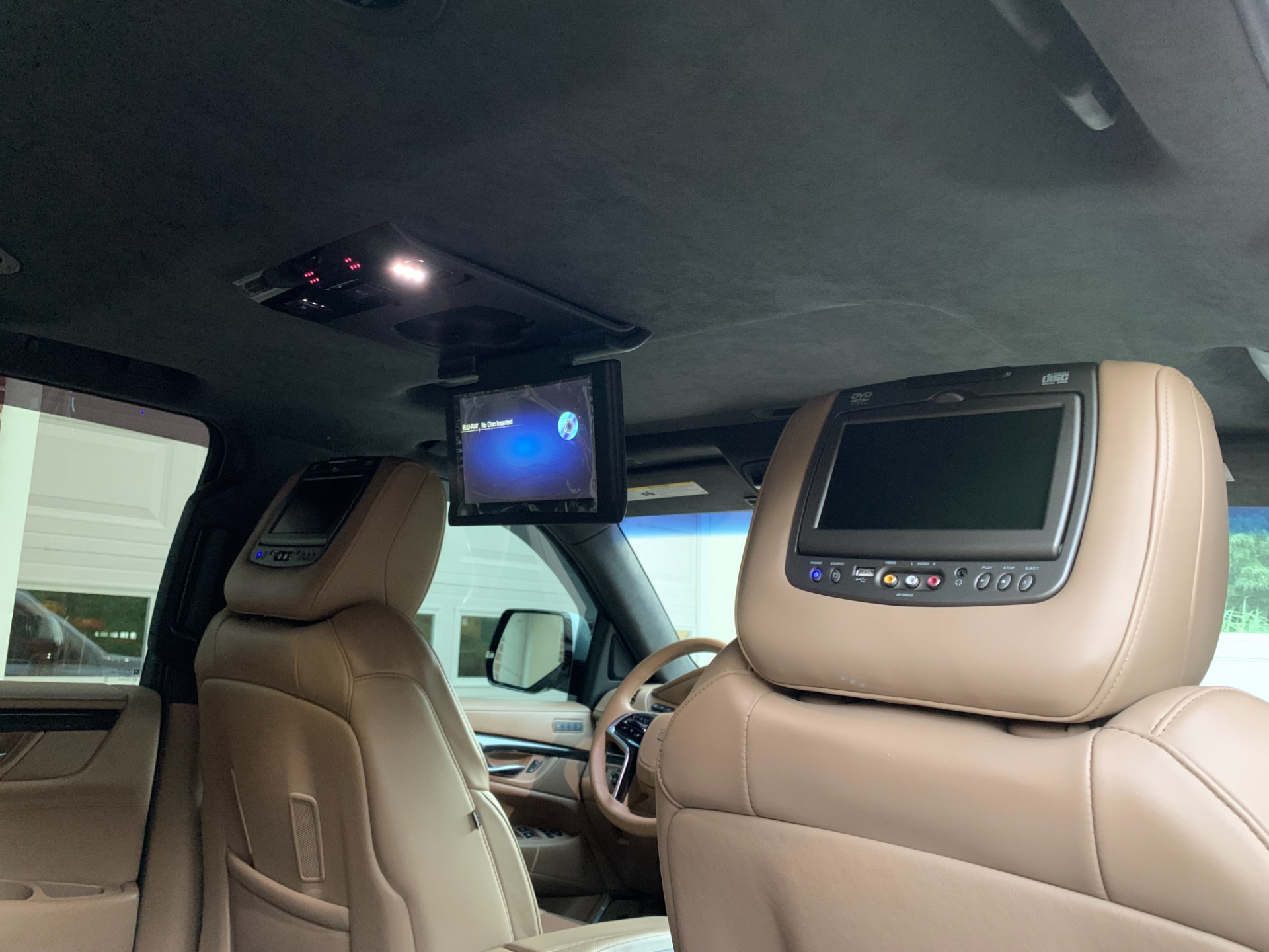 Used-2018-Cadillac-Escalade-Platinum