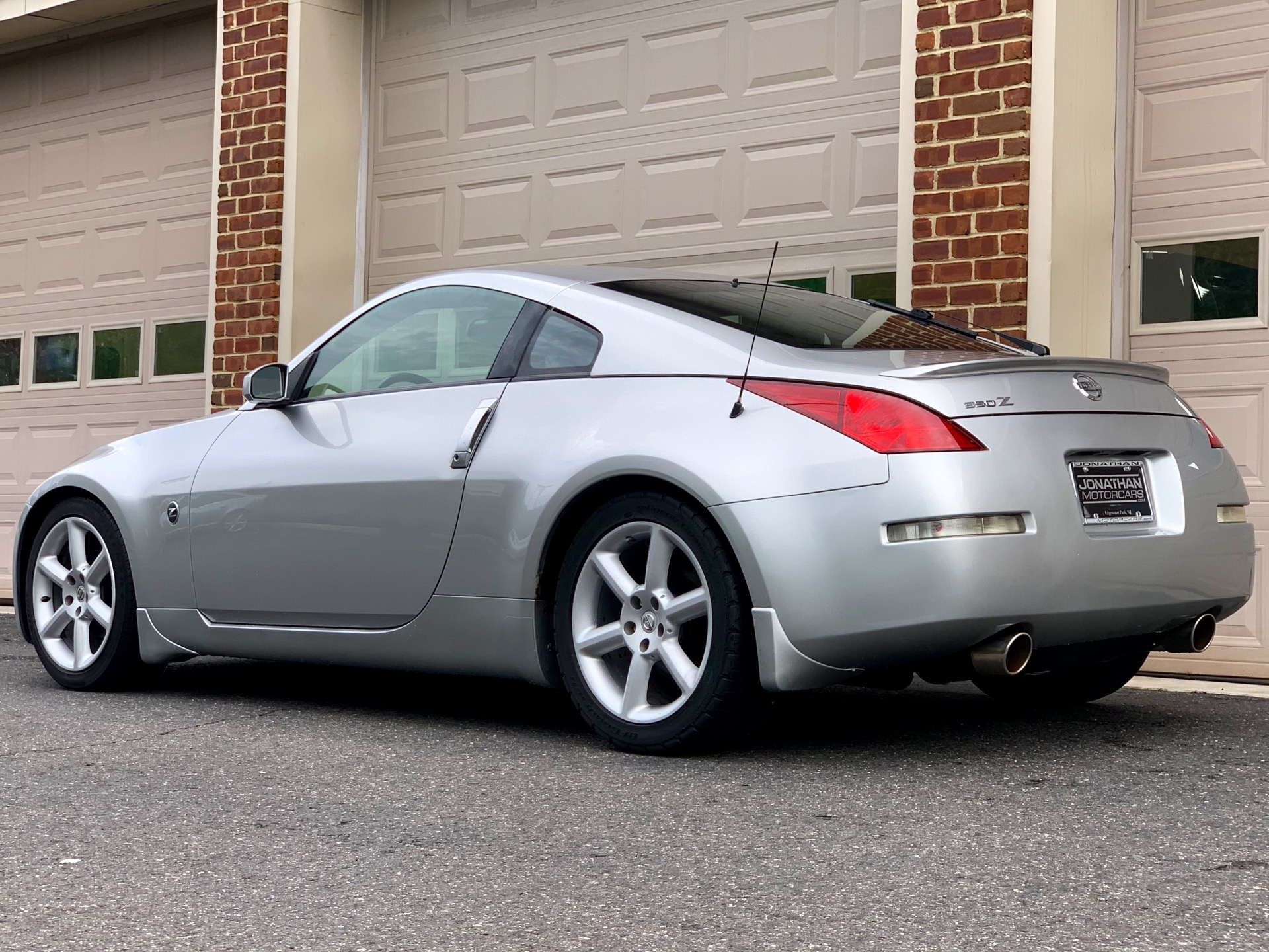 Used-2003-Nissan-350Z-Touring