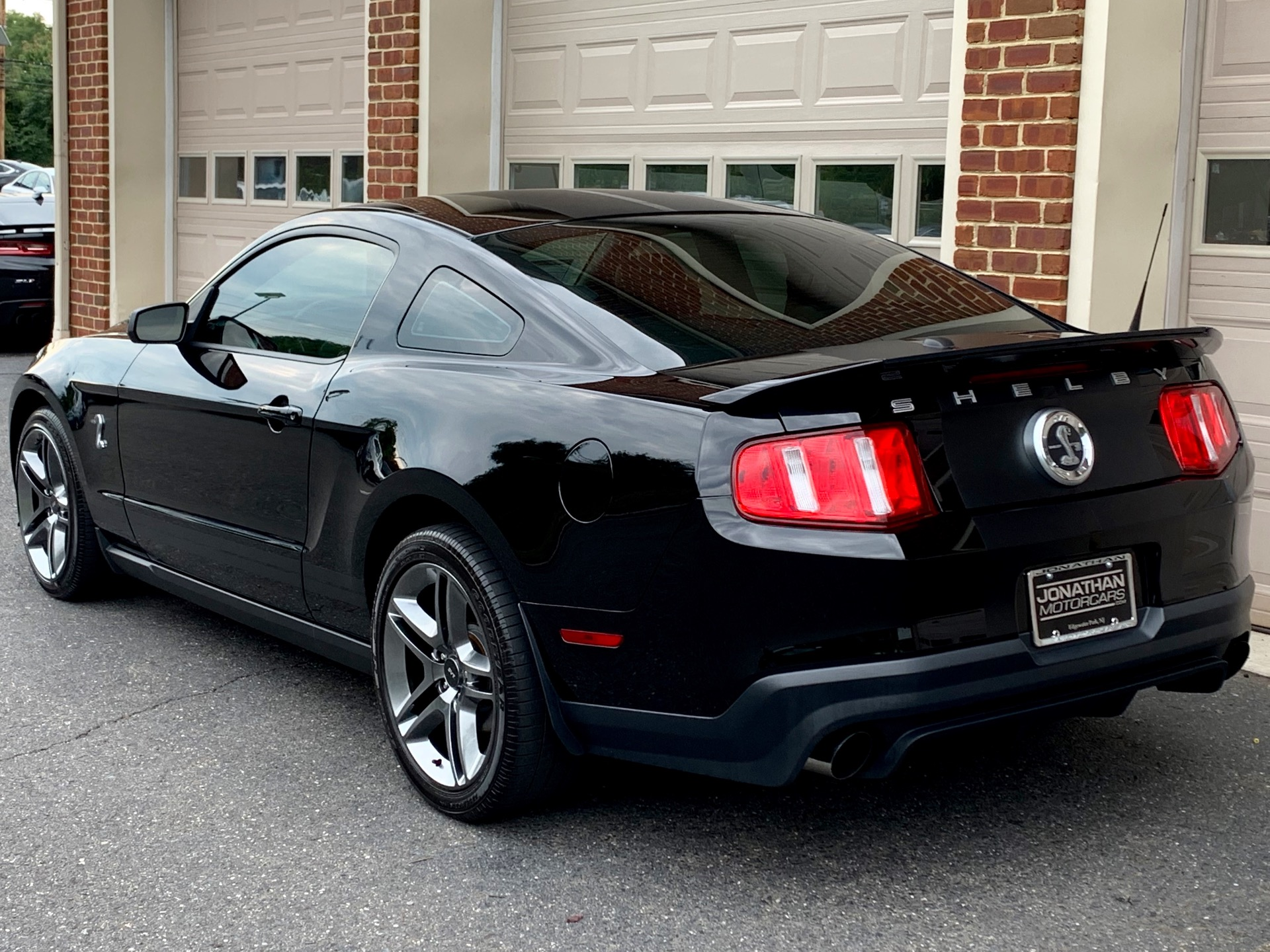 Used-2010-Ford-Shelby-GT500