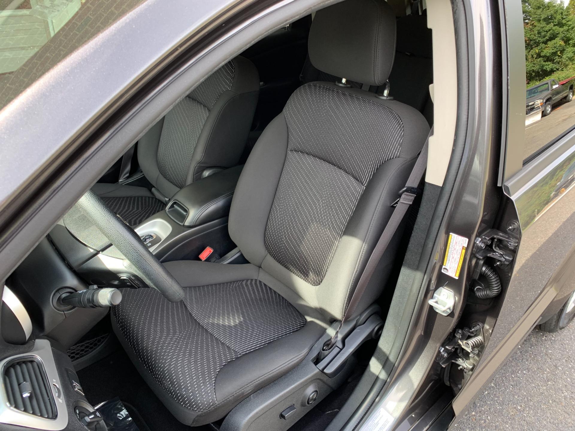 Used-2017-Dodge-Journey-SXT