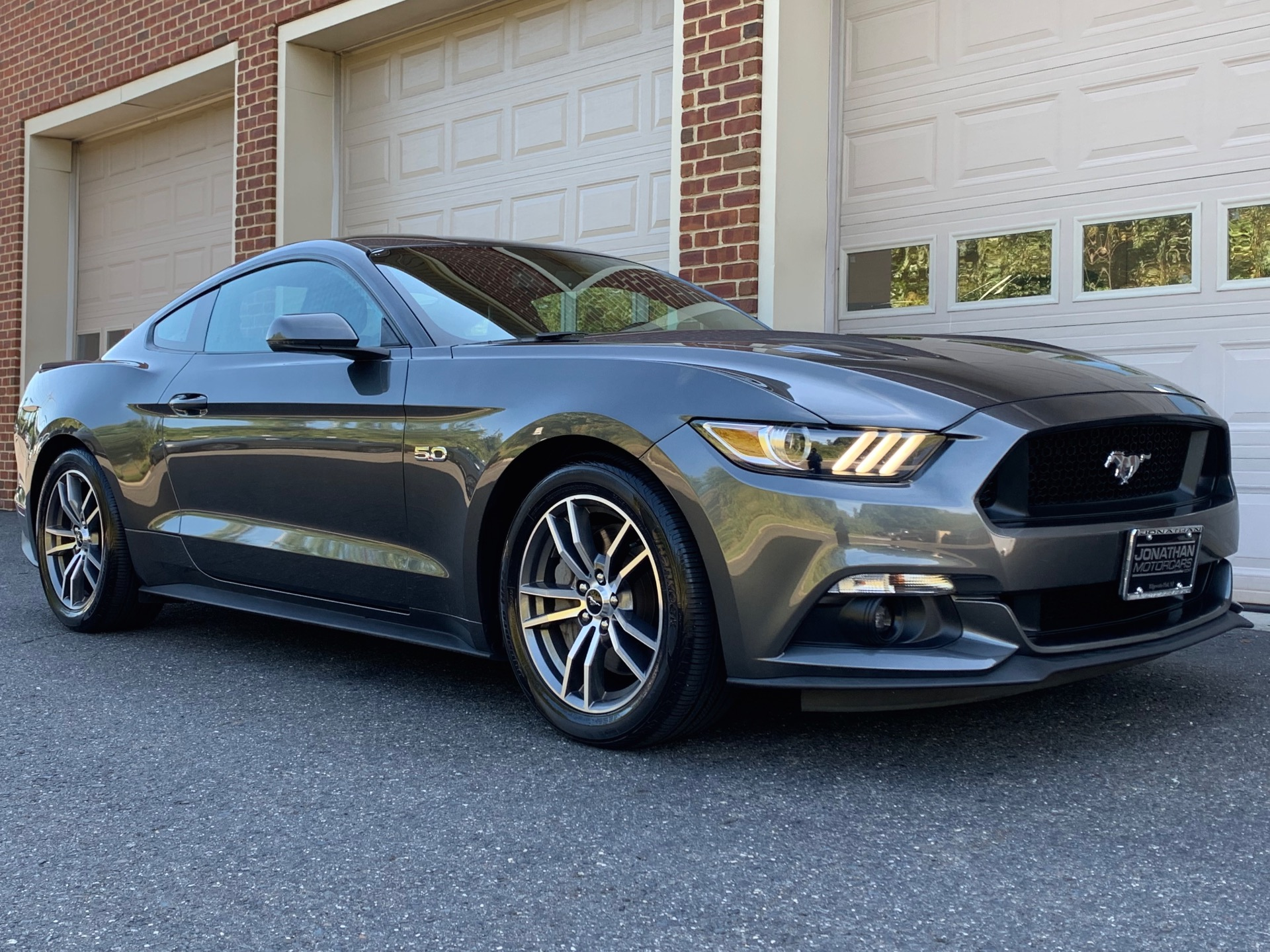 Used-2017-Ford-Mustang-GT-Premium