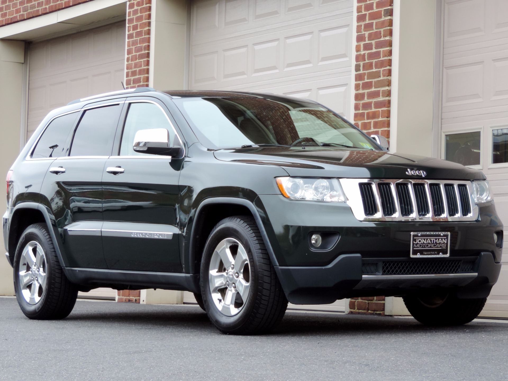 2011 jeep grand cherokee limited stock 552110 for sale near edgewater park nj nj jeep dealer. Black Bedroom Furniture Sets. Home Design Ideas
