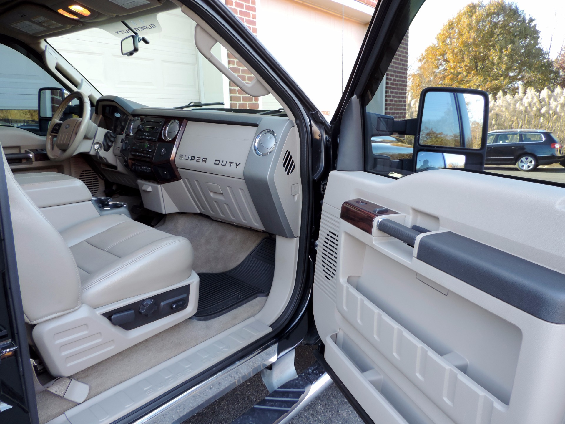 Used-2008-Ford-F-450-Super-Duty-Lariat