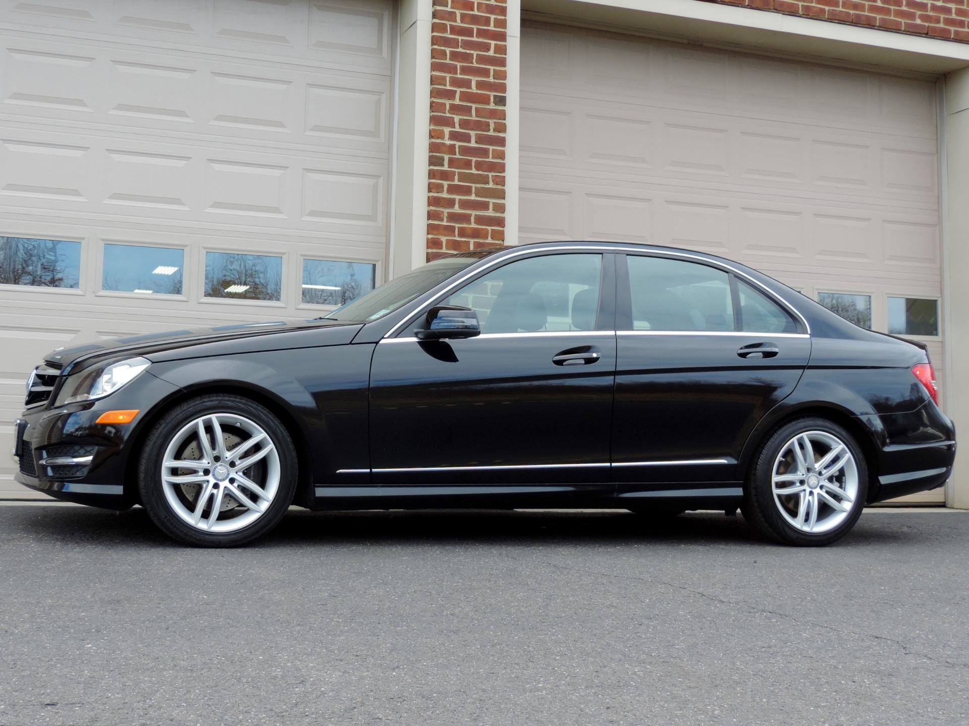 cars c class sedan mercedes benz rating front angular and motor amg trend reviews