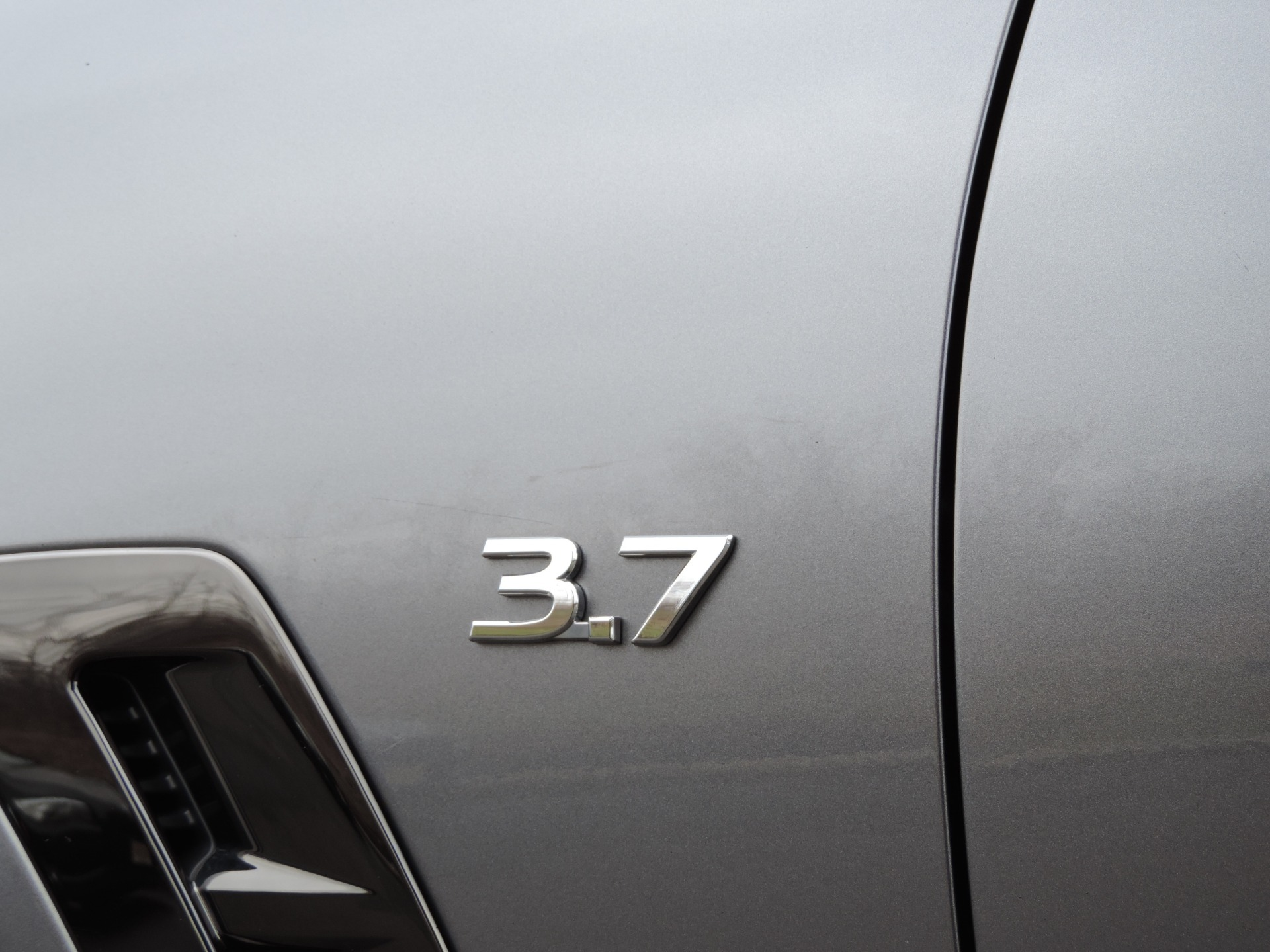 Used-2015-INFINITI-QX70-S-37-Sport