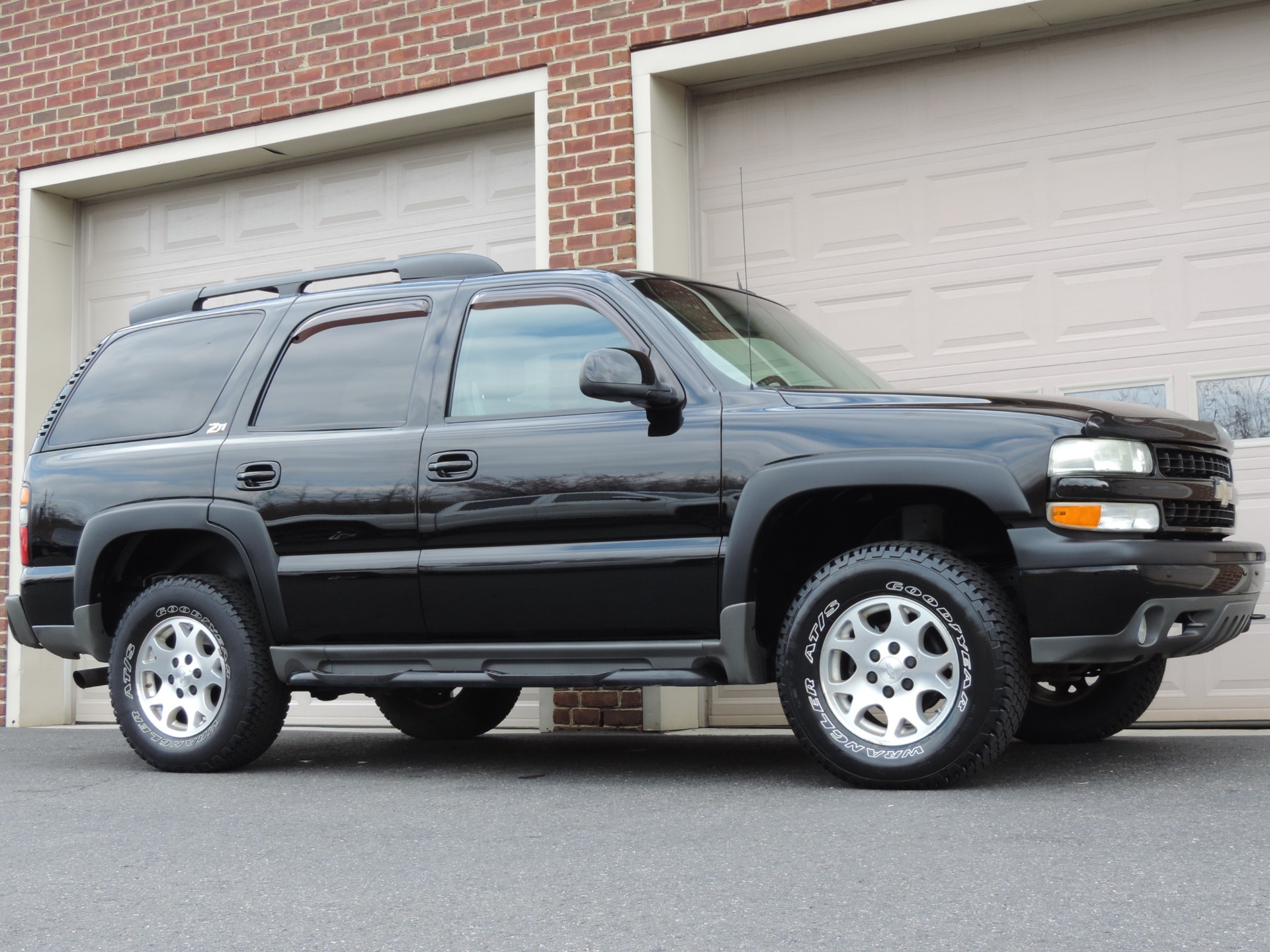 tahoe 2004 z71 chevrolet anti theft front side system power mirrors door mirror dimming alarm locks adjustments signals airbags integrated
