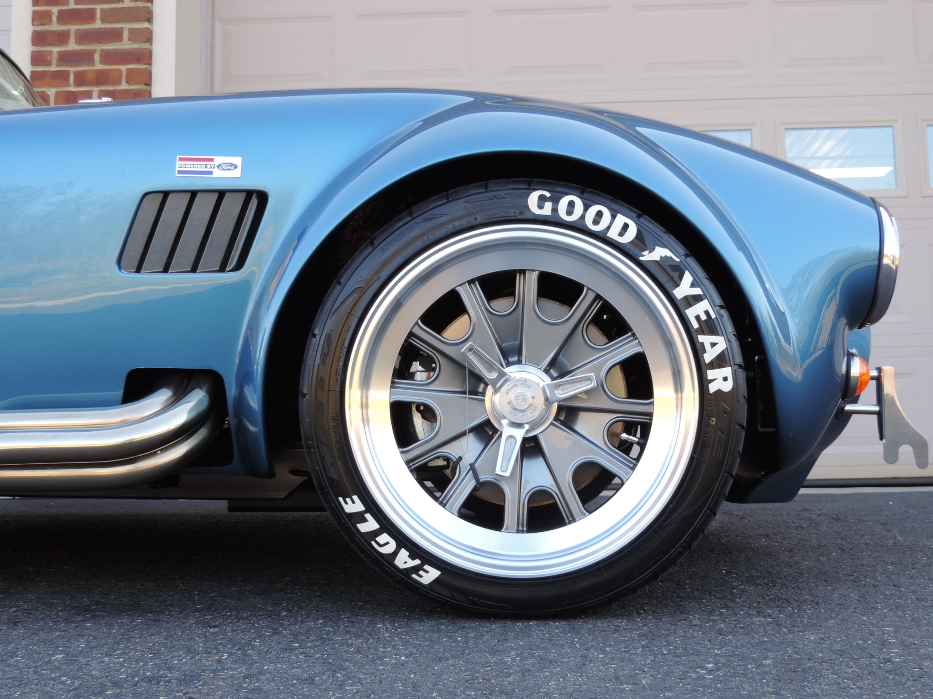 New-1965-Backdraft-Racing-Cobra-Roadster