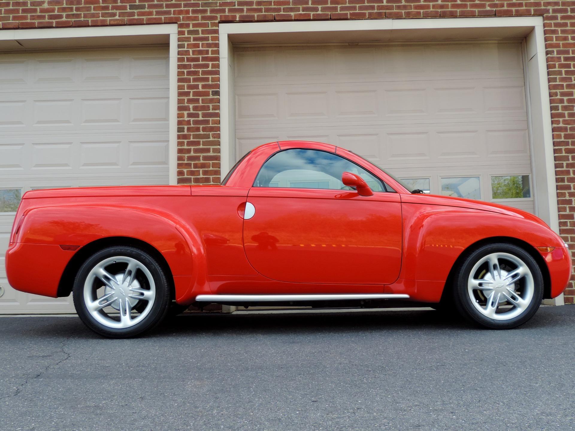 Used-2004-Chevrolet-SSR-LS