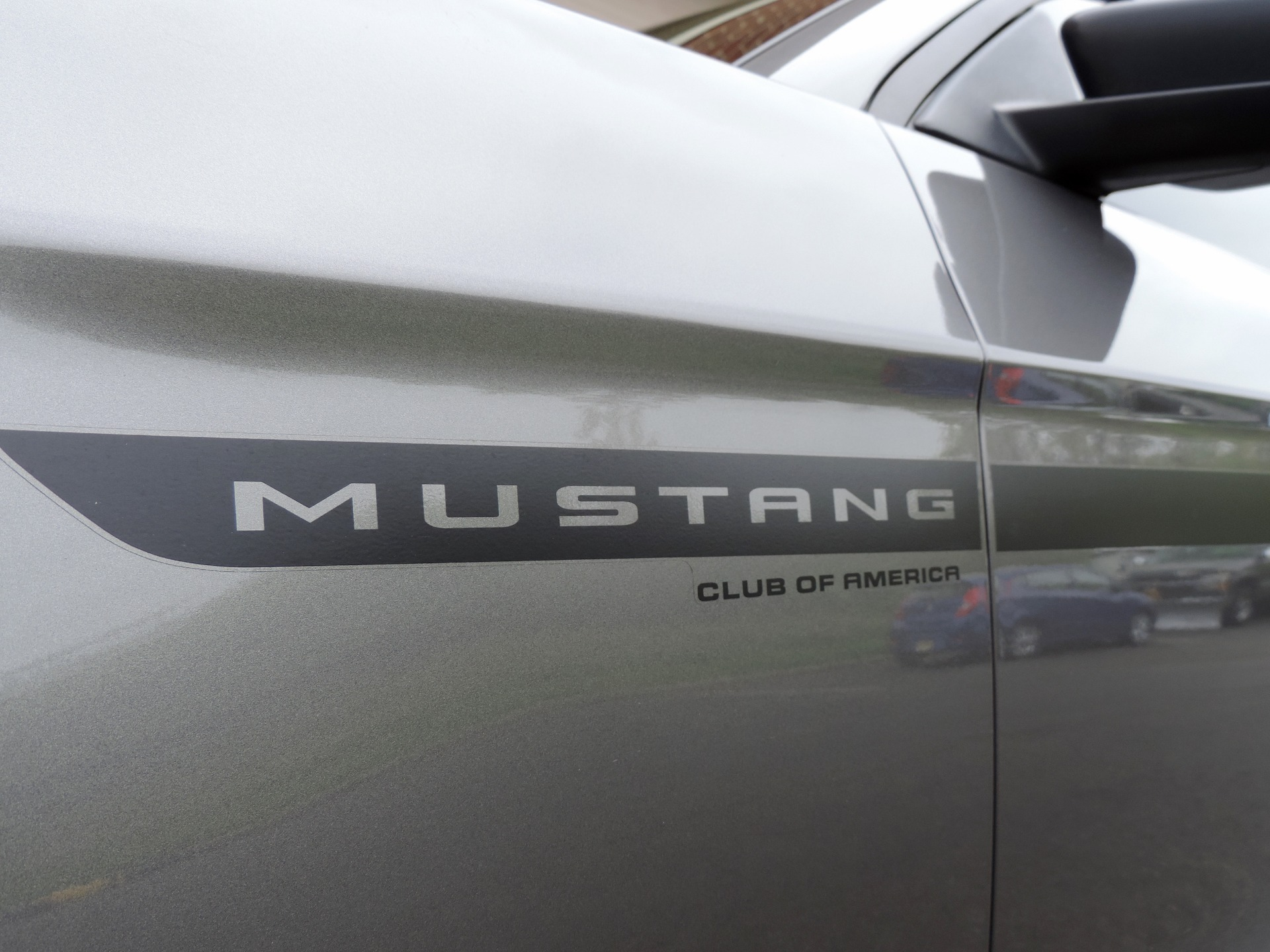 Used-2012-Ford-Mustang-V6-Premium