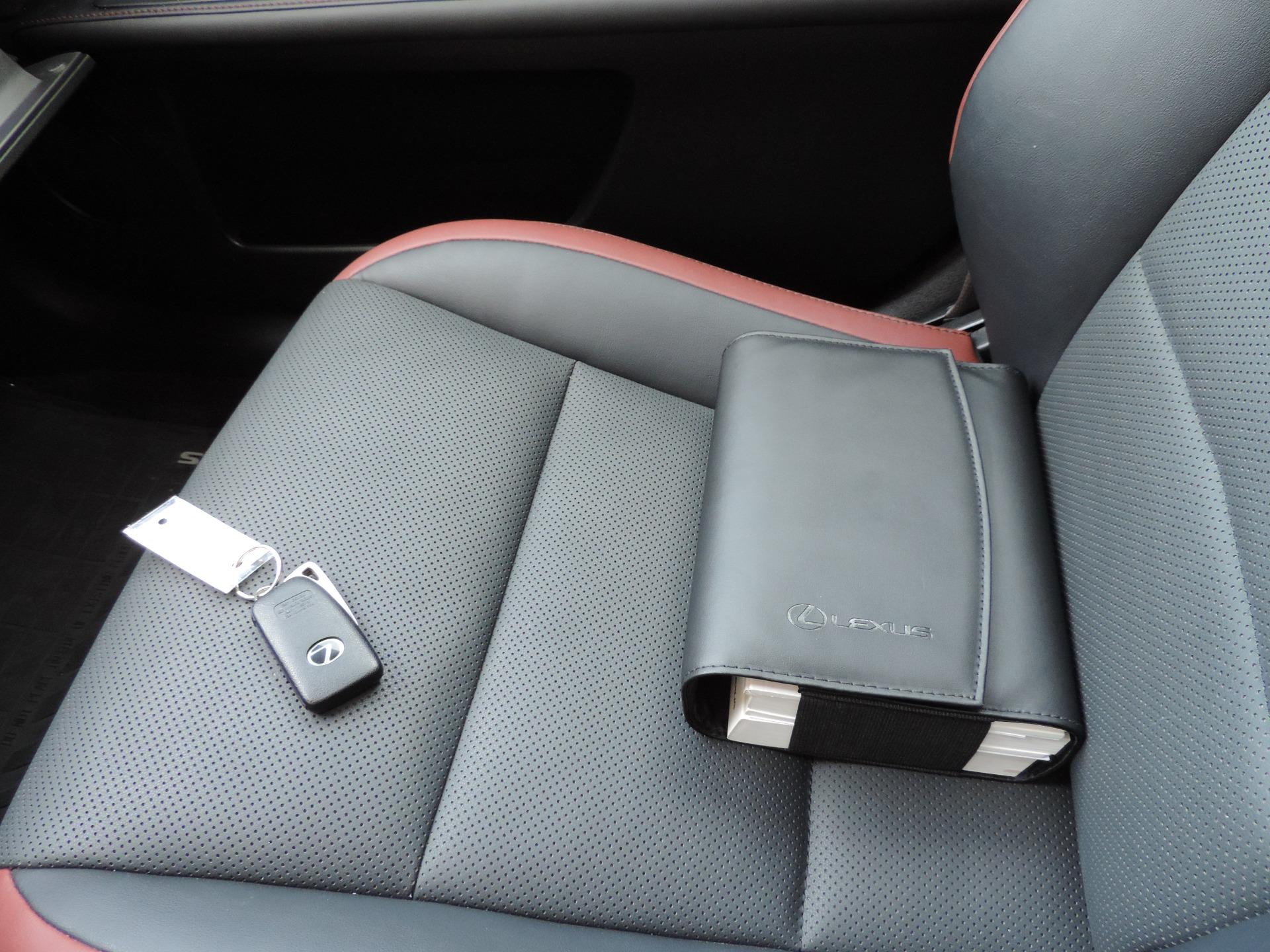 Used-2015-Lexus-ES-350-Crafted-Line