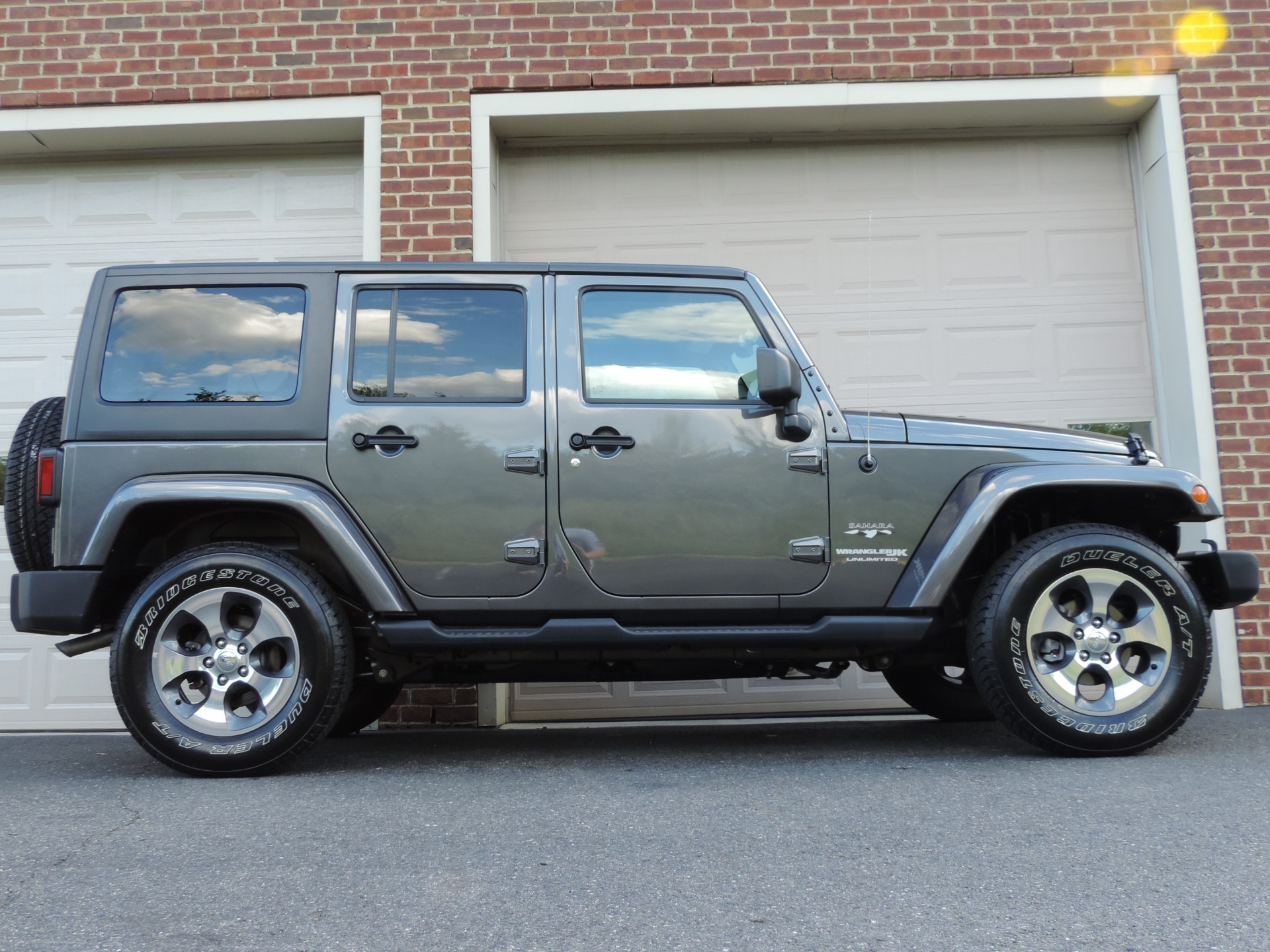 Used-2018-Jeep-Wrangler-Unlimited-Sahara