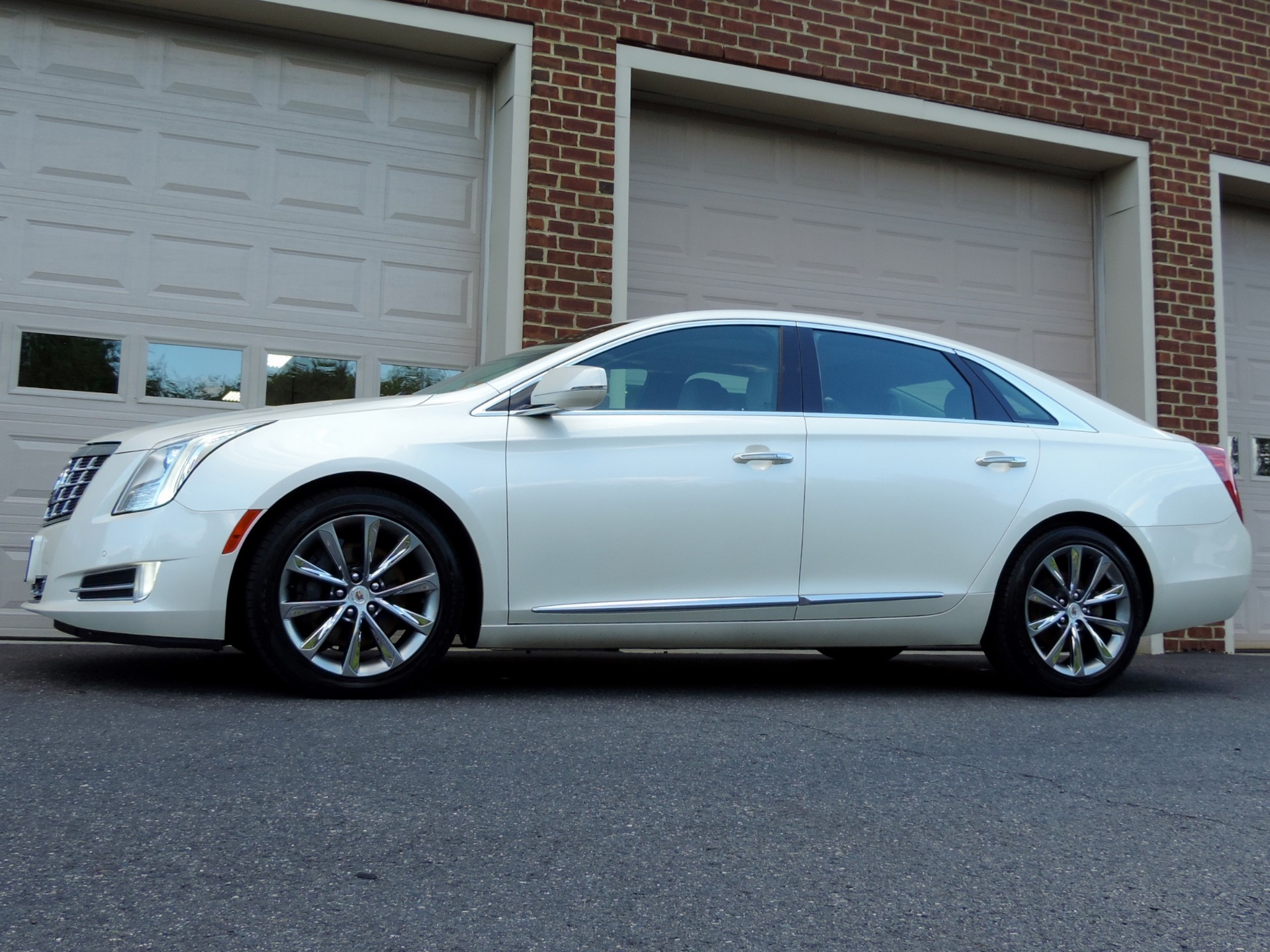 Used-2013-Cadillac-XTS-Luxury-Collection