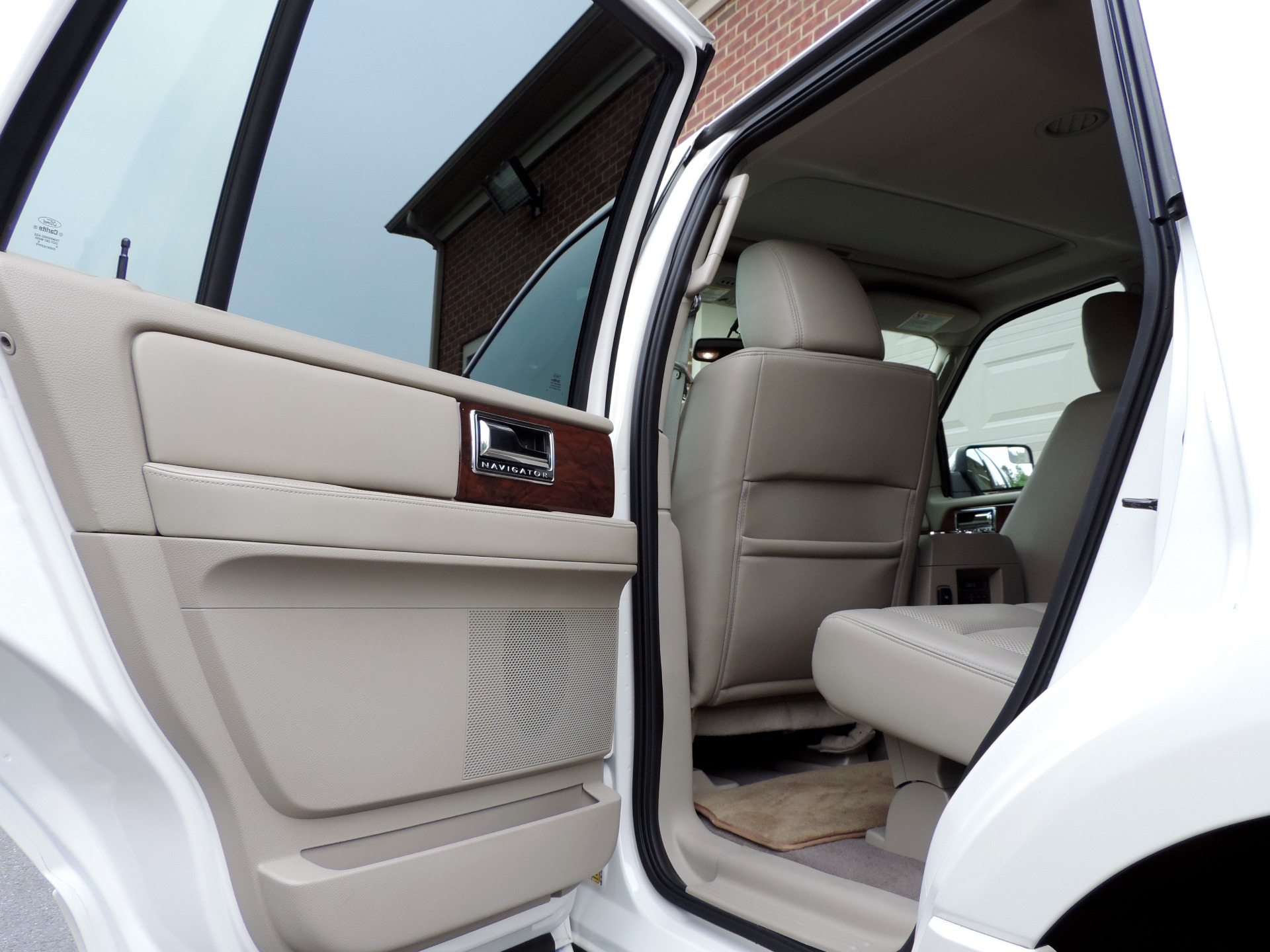 Used-2013-Lincoln-Navigator