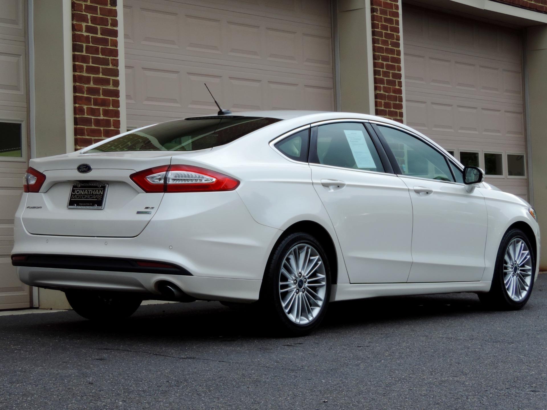 Used-2016-Ford-Fusion-SE