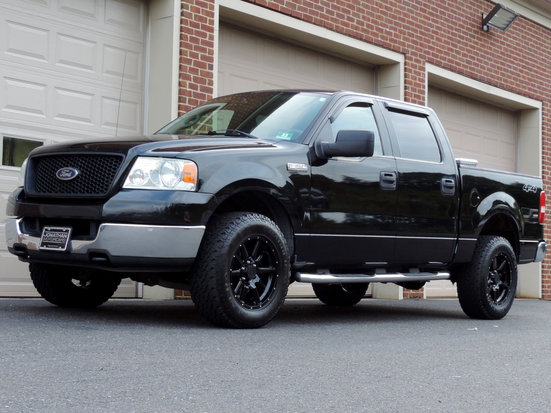 Used-2005-Ford-F-150-XLT