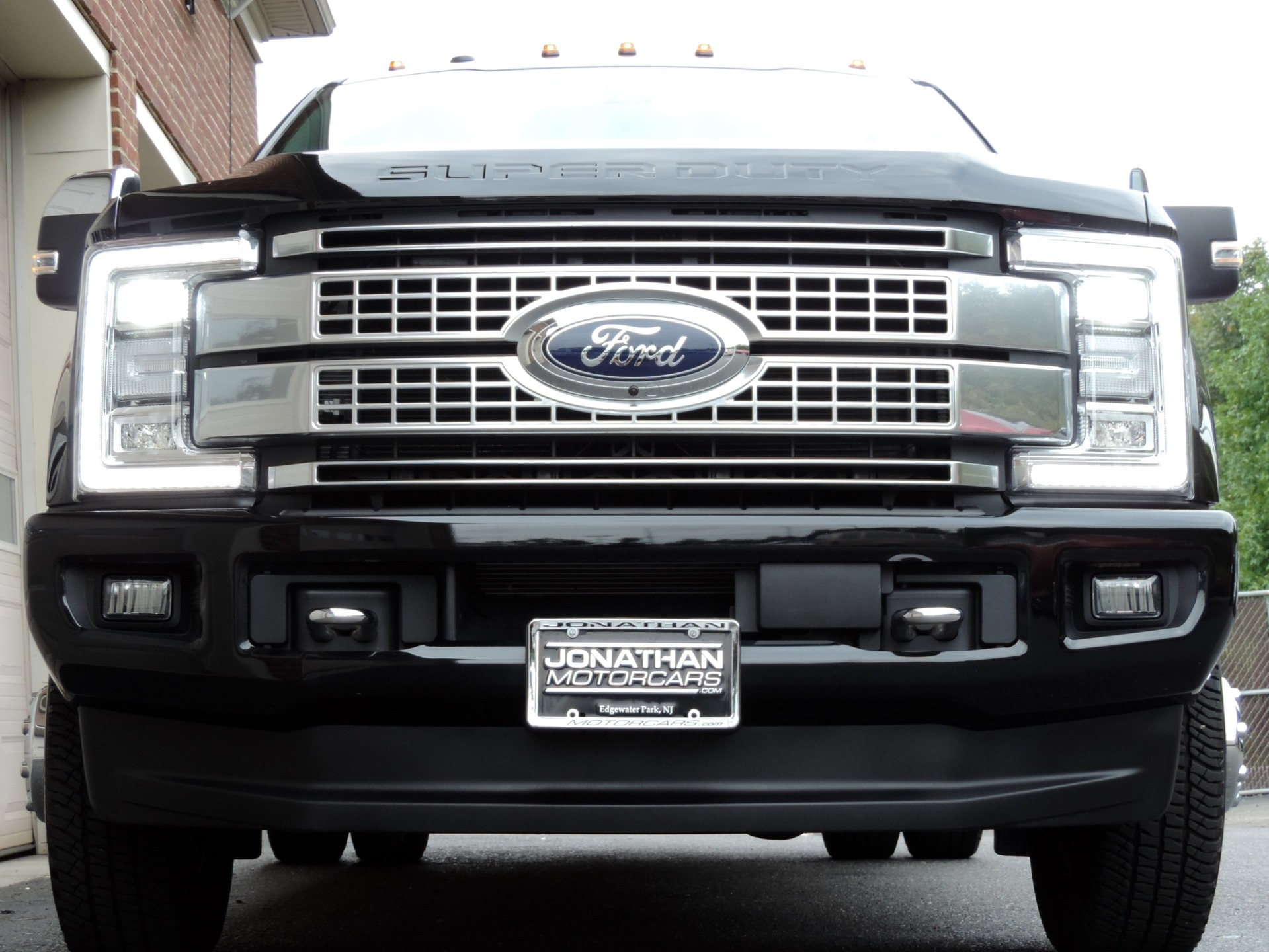 Used-2018-Ford-F-350-Super-Duty-Platinum
