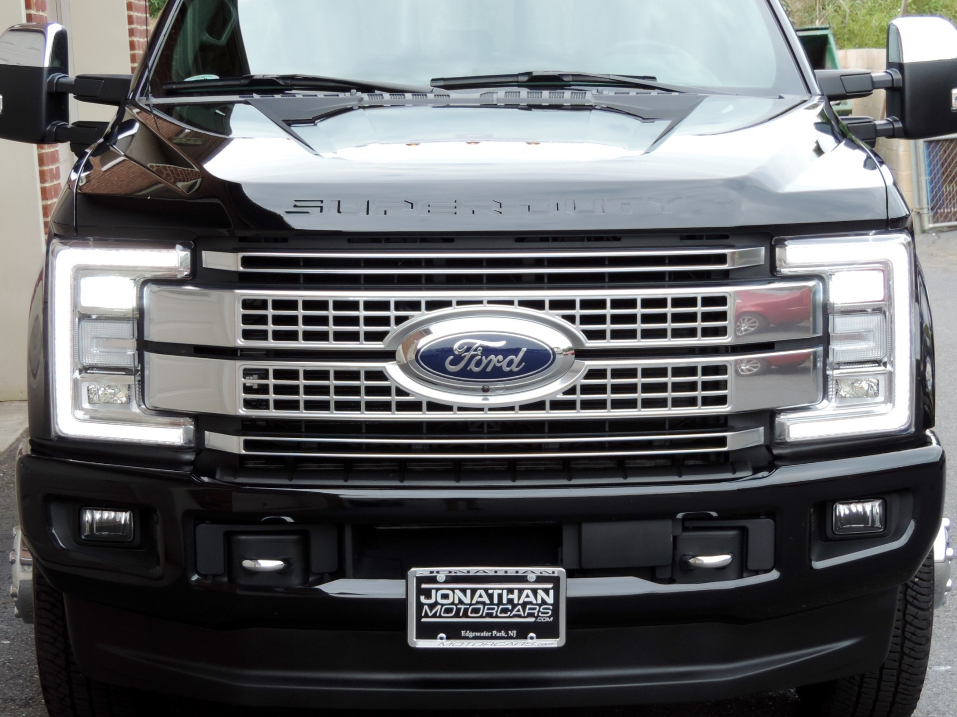 Used-2018-Ford-F-350-Super-Duty-Platinum