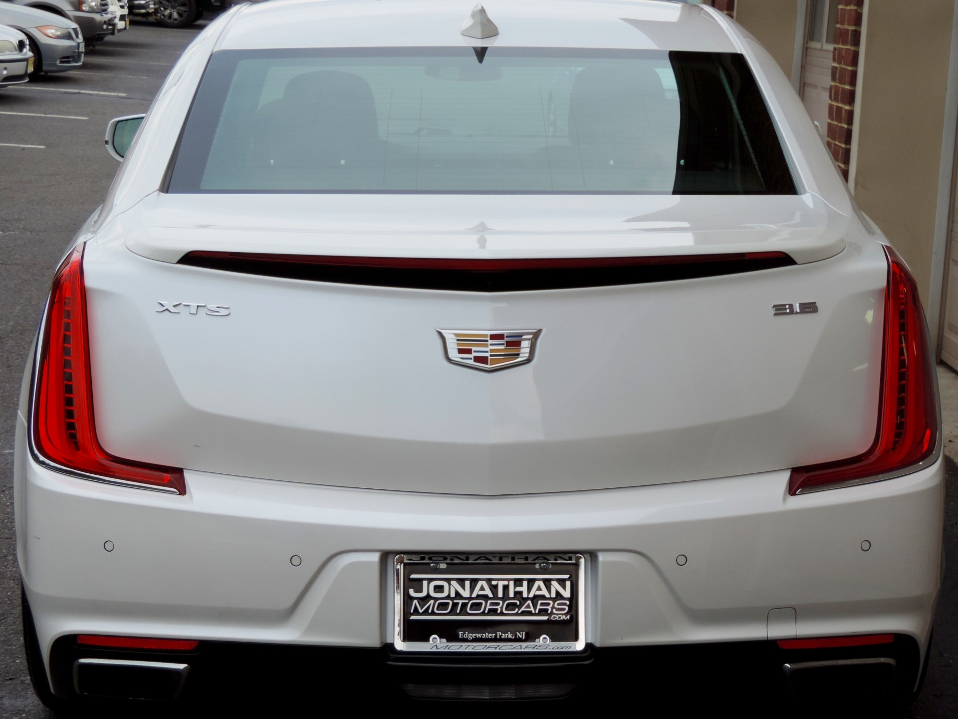 Used-2018-Cadillac-XTS-Luxury