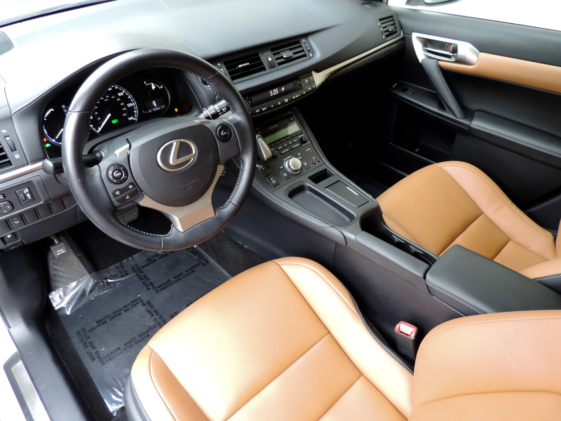 Used-2015-Lexus-CT-200h