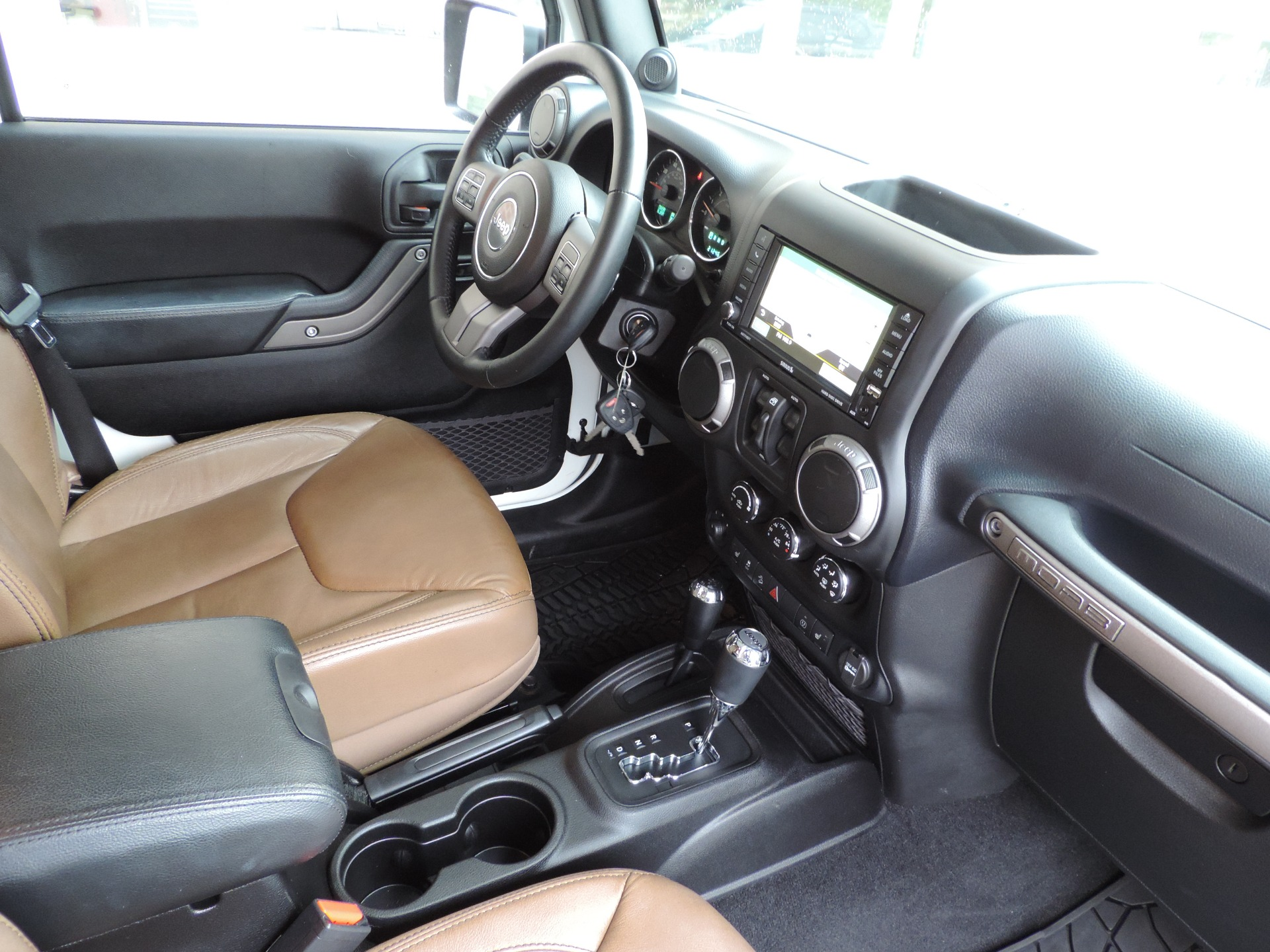Used-2013-Jeep-Wrangler-Unlimited-Moab--Navigation--Leather