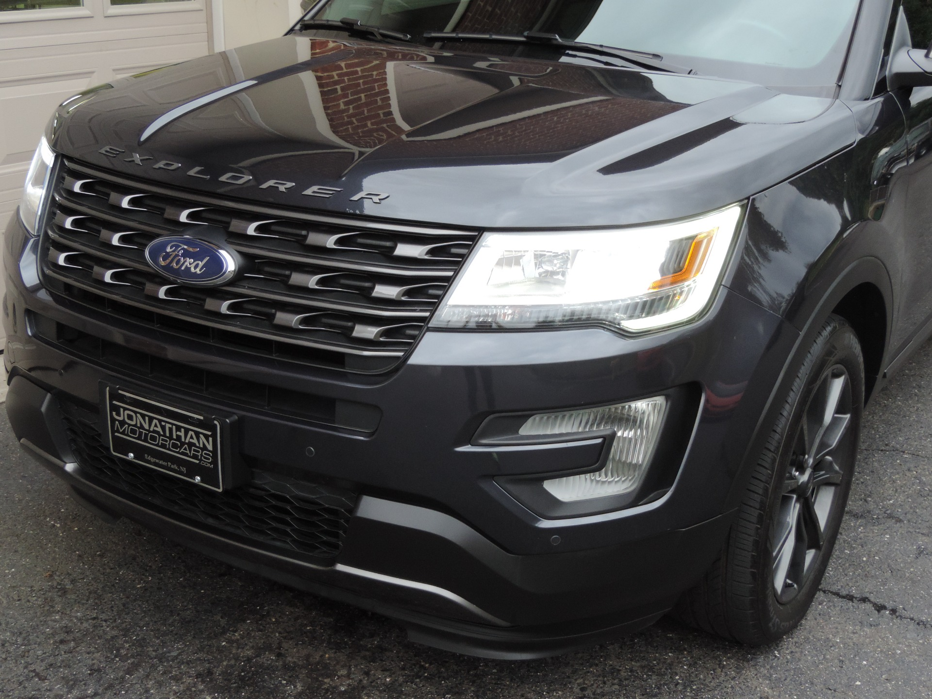 Used-2017-Ford-Explorer-XLT-Sport-Appearance