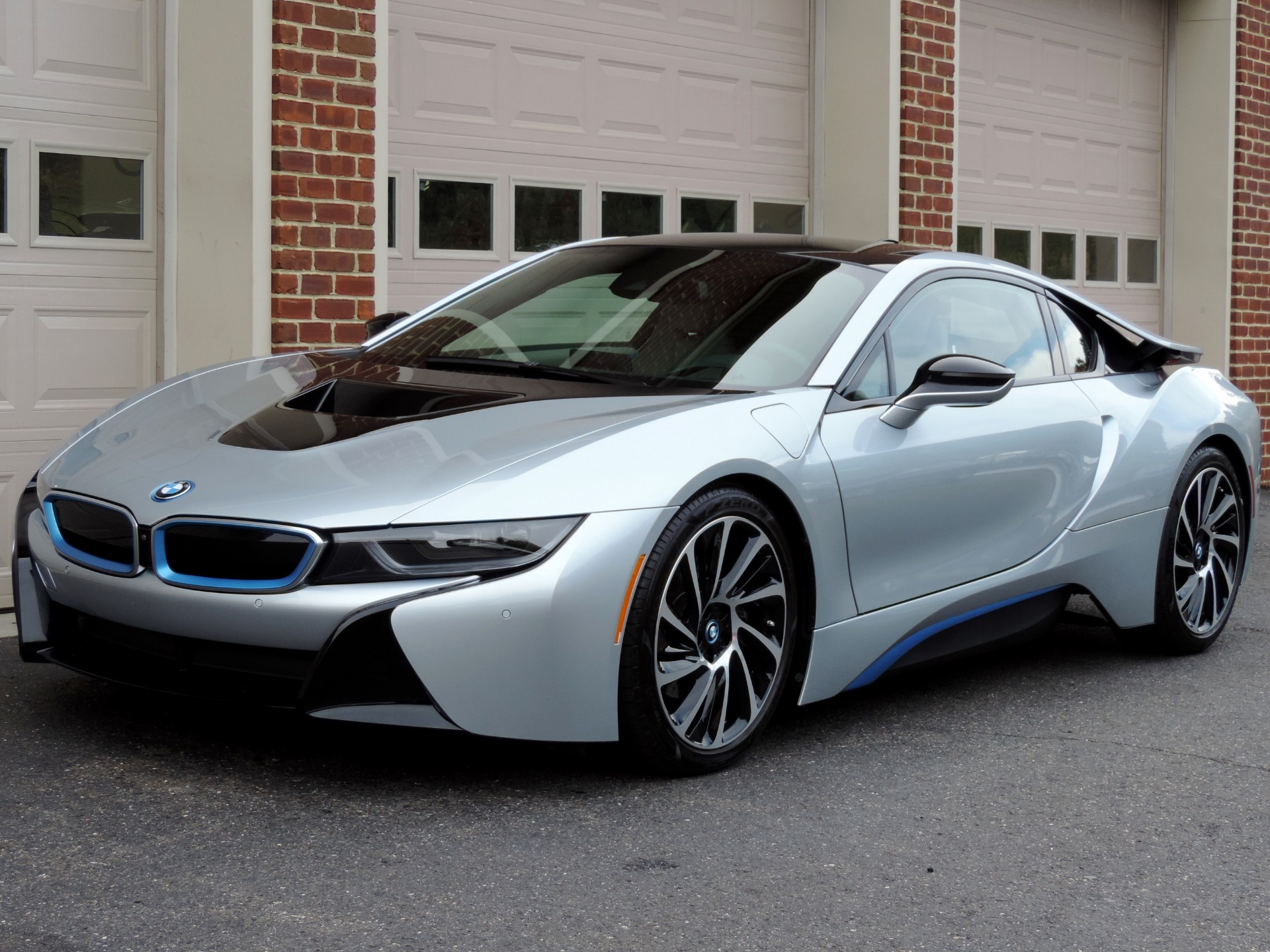 Used-2015-BMW-i8-Pure-Impulse-World