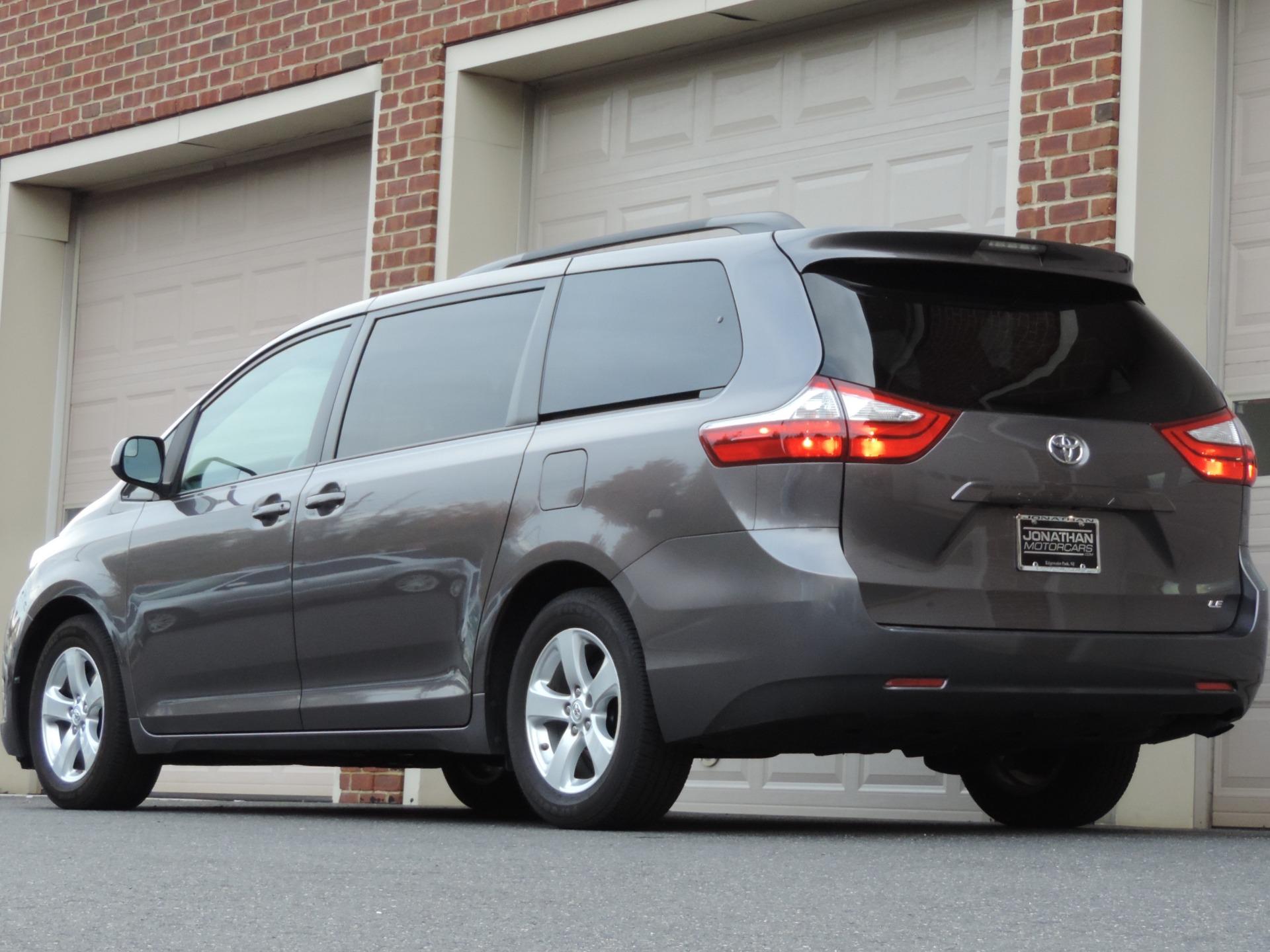 Used-2015-Toyota-Sienna-LE