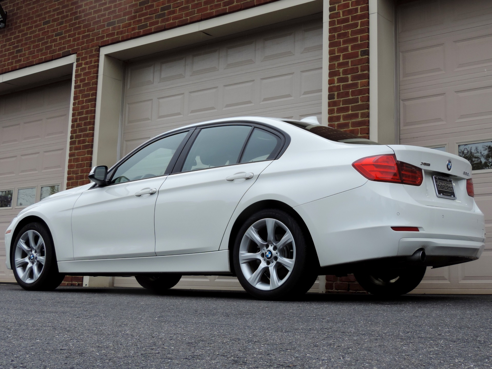 Used-2014-BMW-3-Series-320i-xDrive