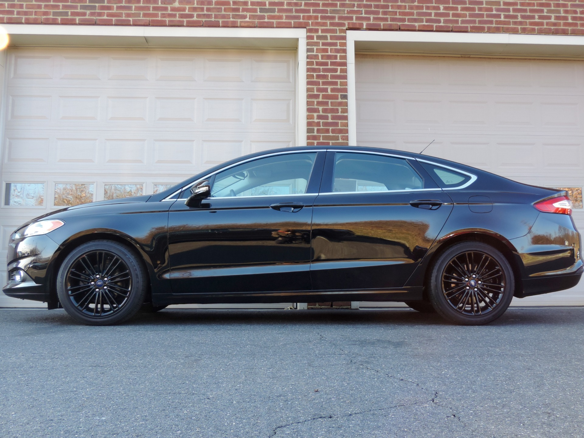 Used-2016-Ford-Fusion-SE